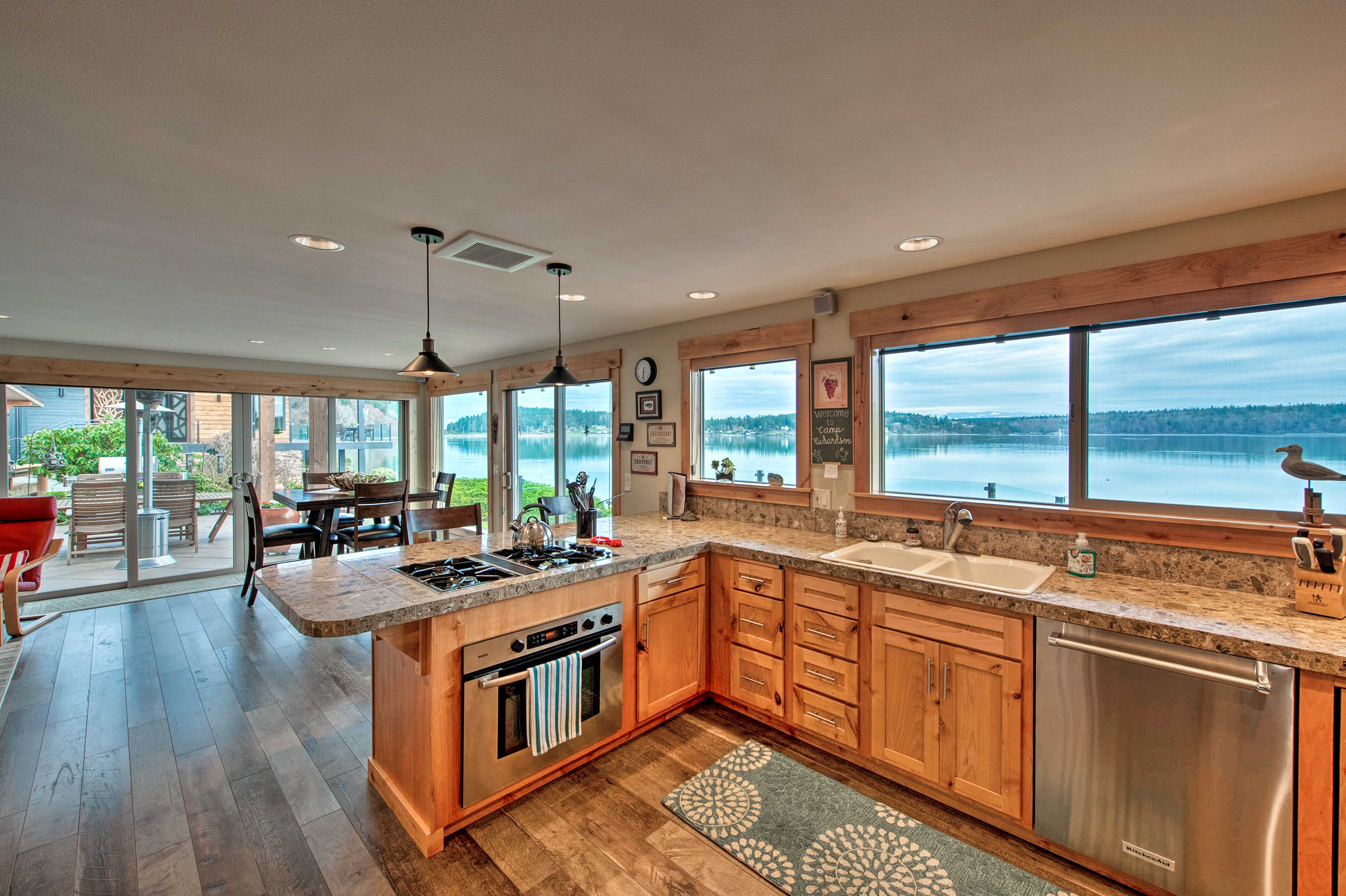 Whip up your favorite recipes and enjoy the panoramic lake views.