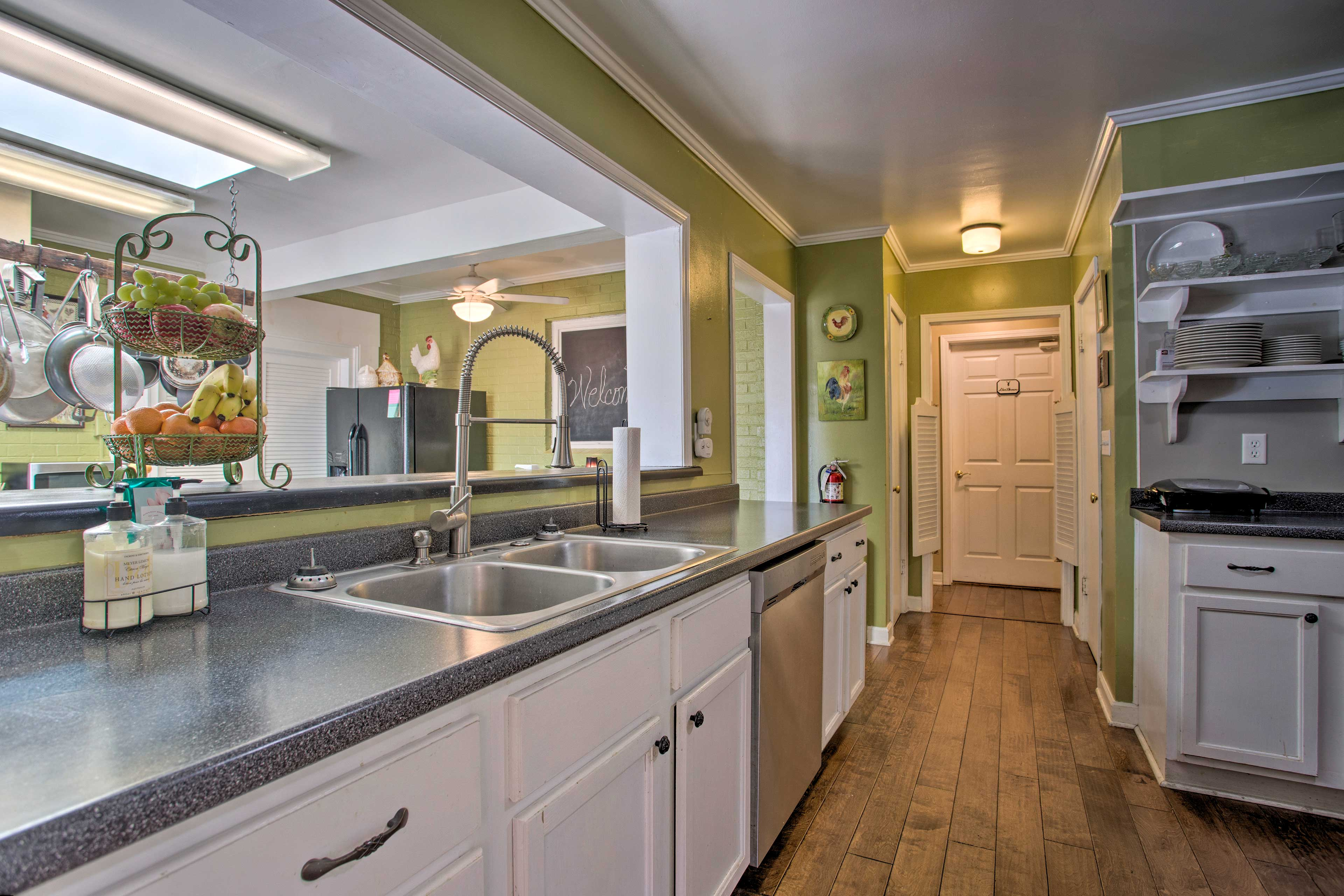 Plenty of counter space for cooking big meals!
