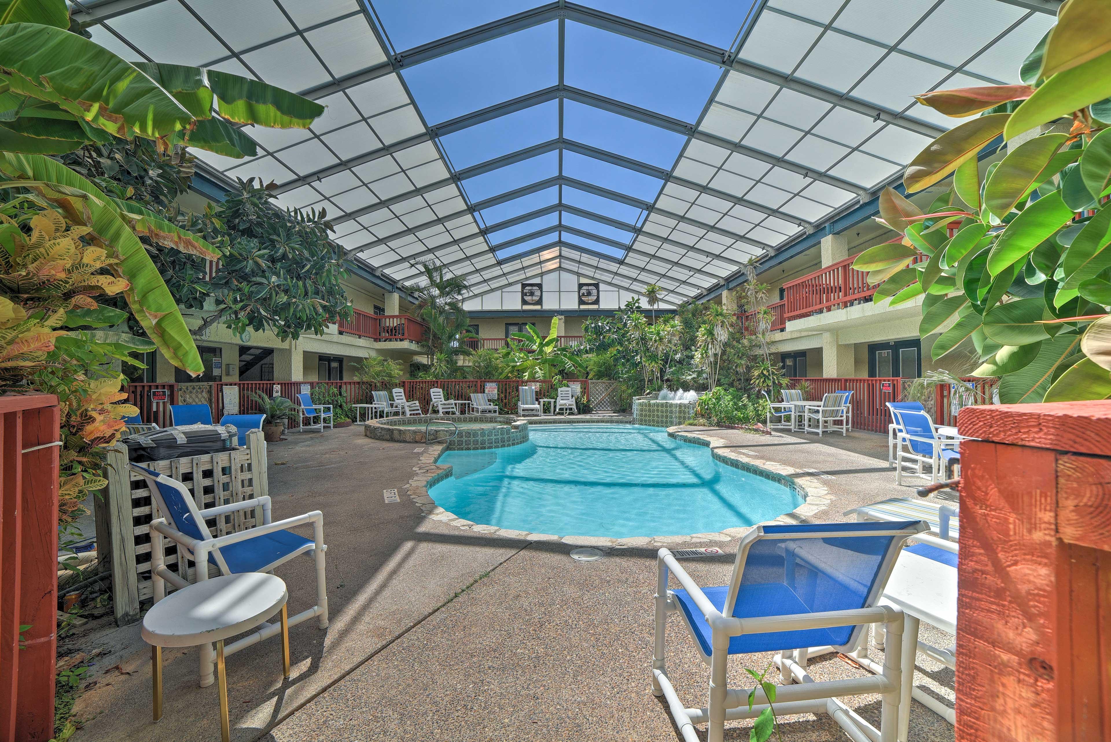 Community Amenities | Pool