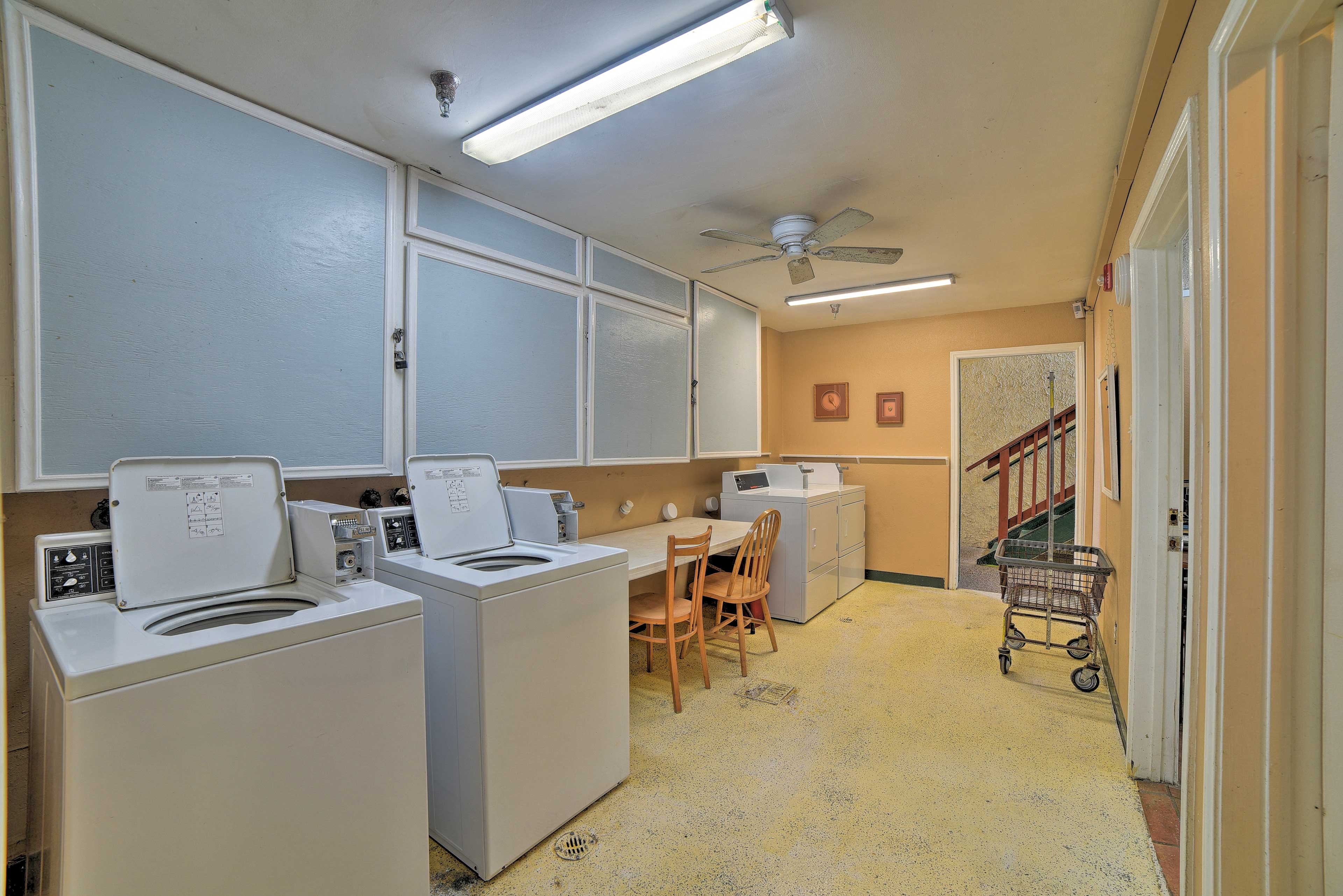 Community Amenities | Coin Laundry