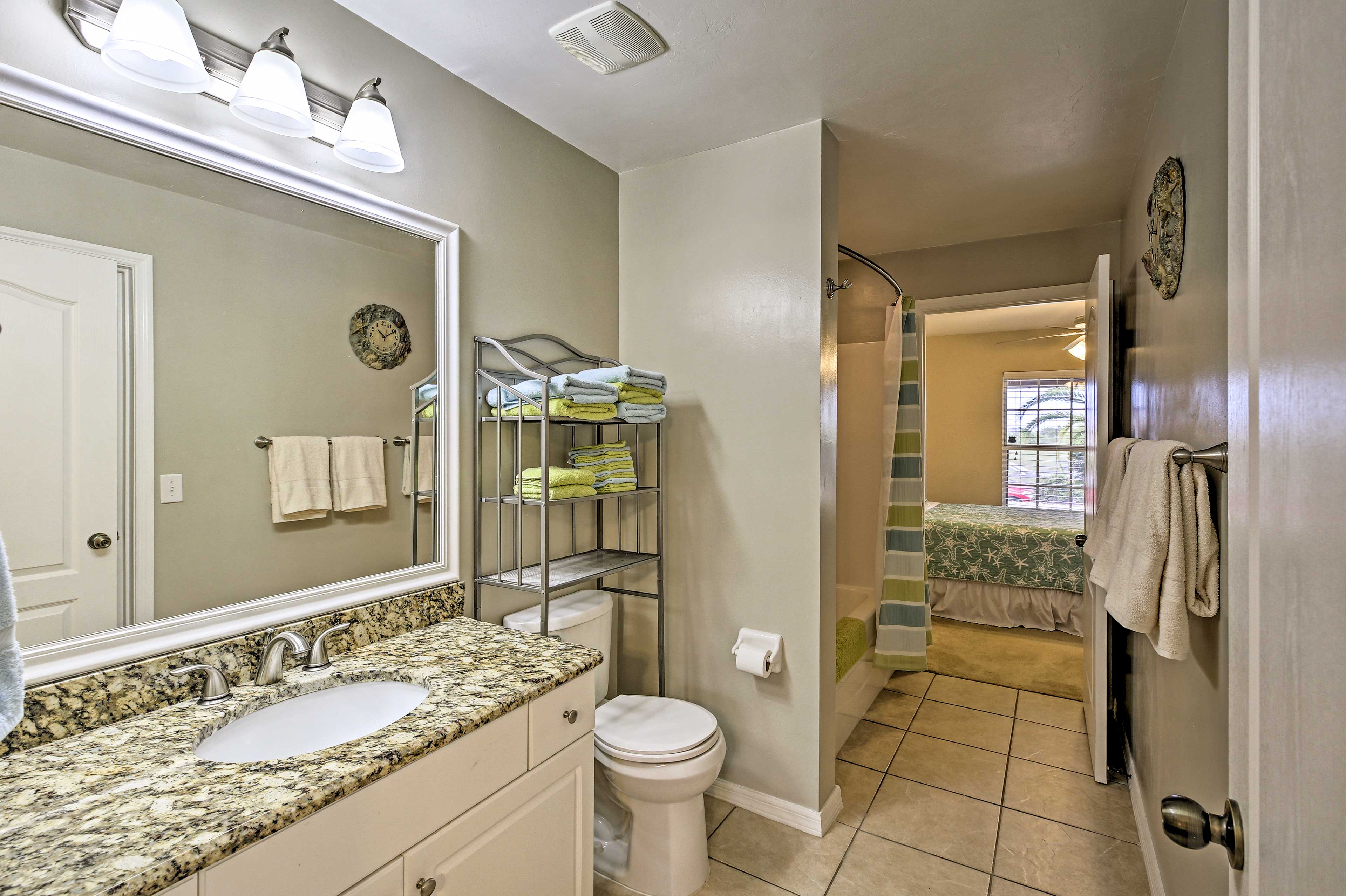 The room has a Jack-and-Jill bathroom.