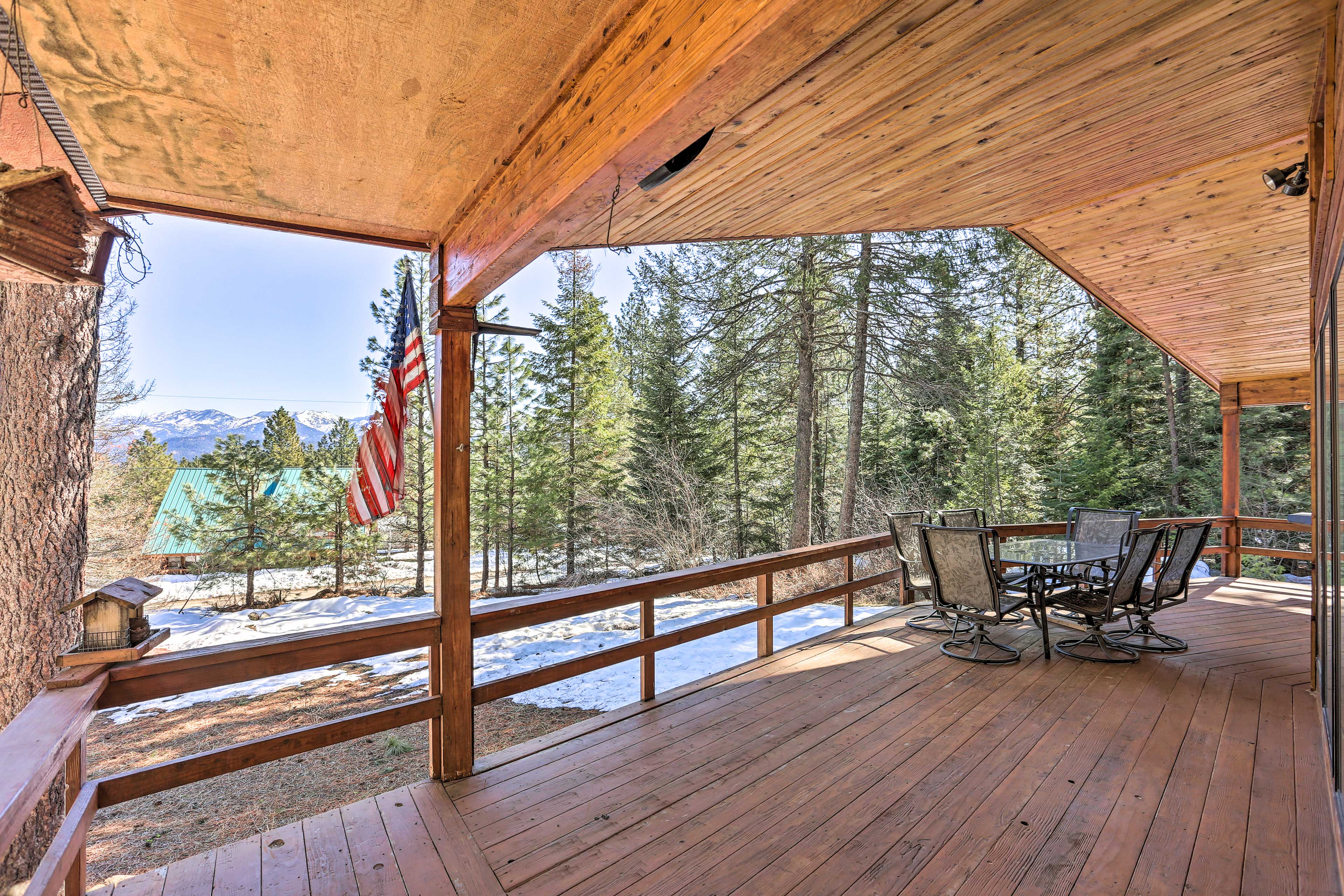 This home features panoramic mountain vistas.