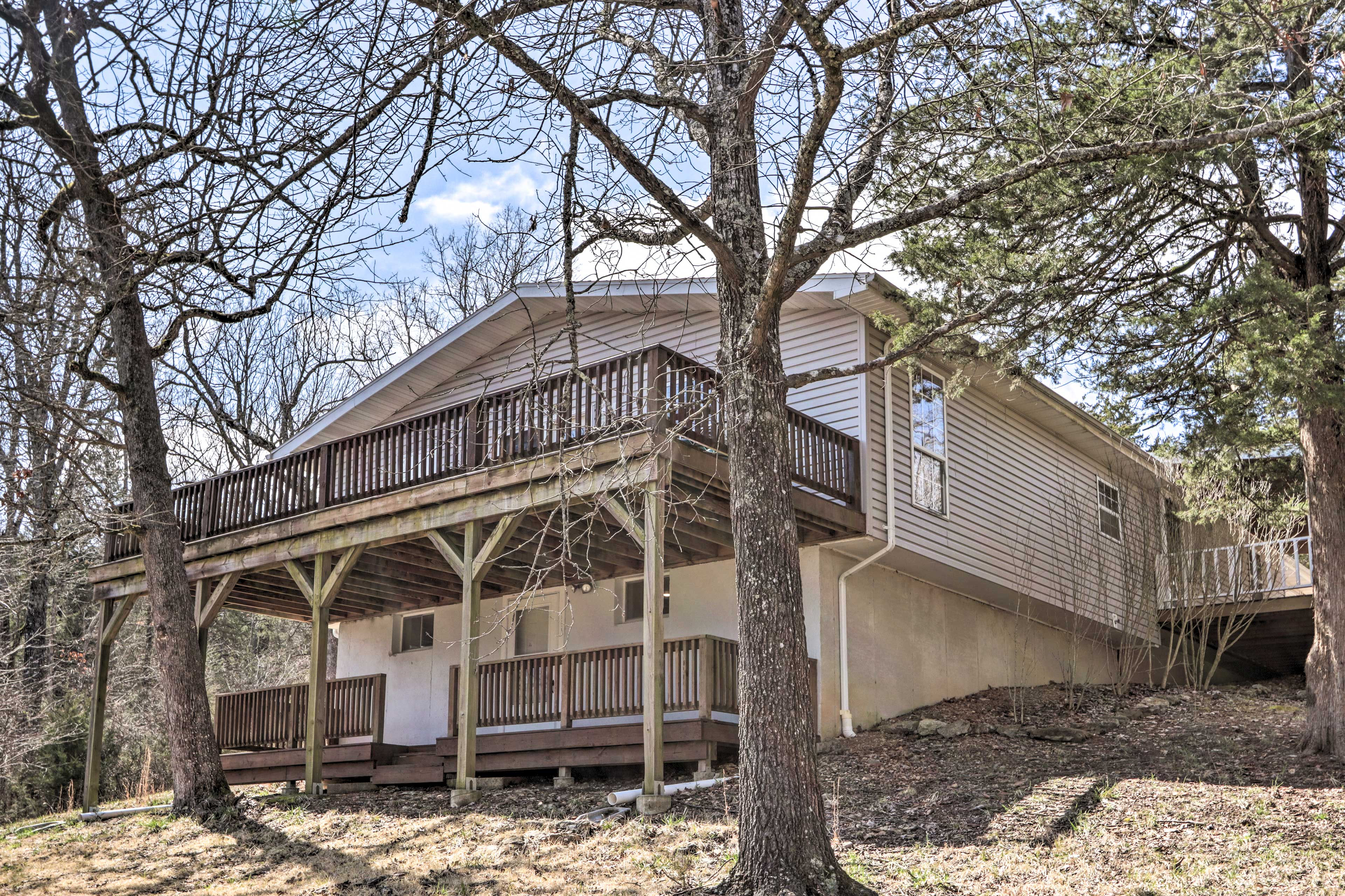 This 4-bed, 2-bath vacation rental is located in Theodosia.