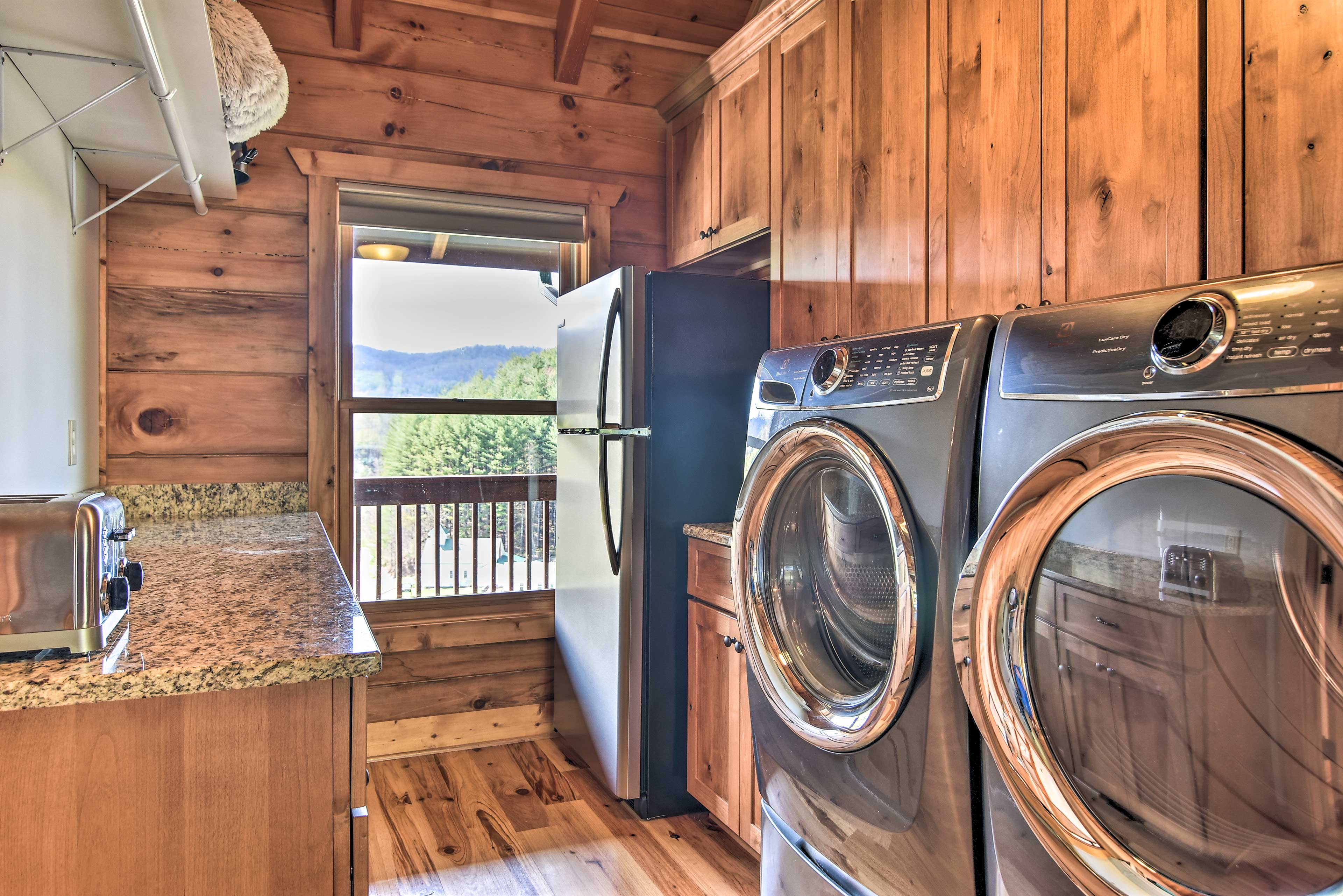 This group-friendly home has in-unit laundry.