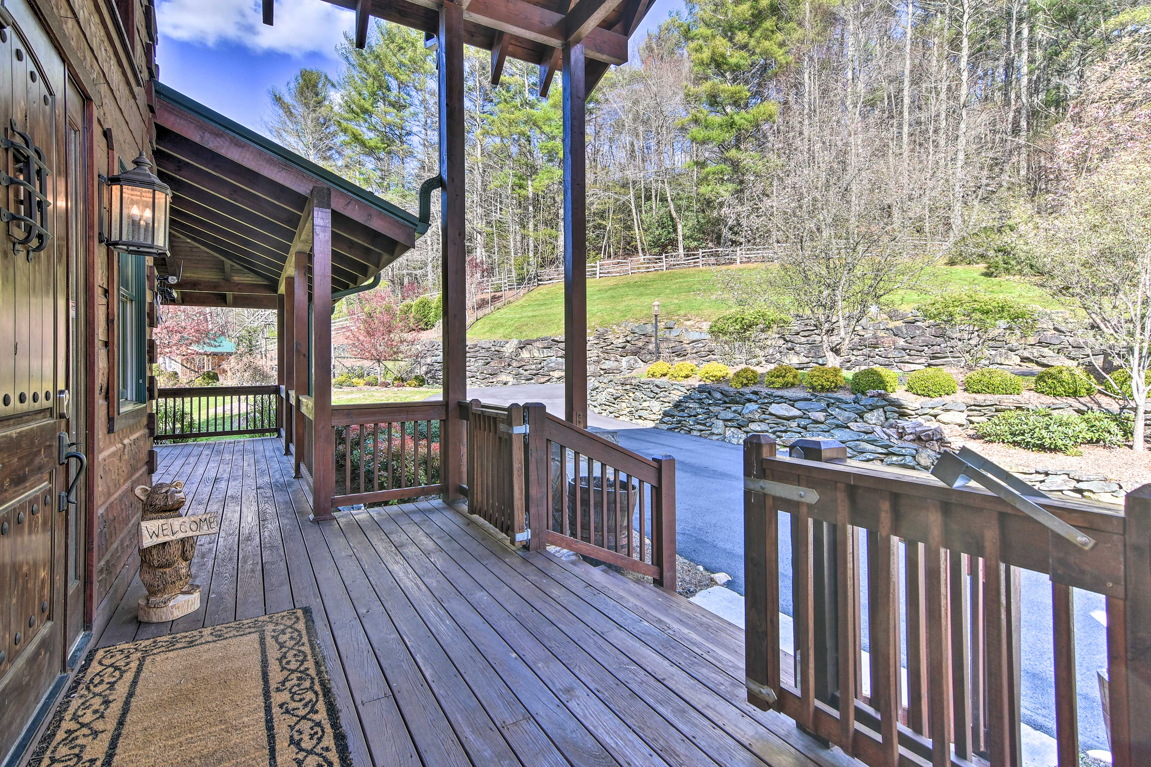Welcome to your home-away-from-home, just 6 miles from Banner Elk!