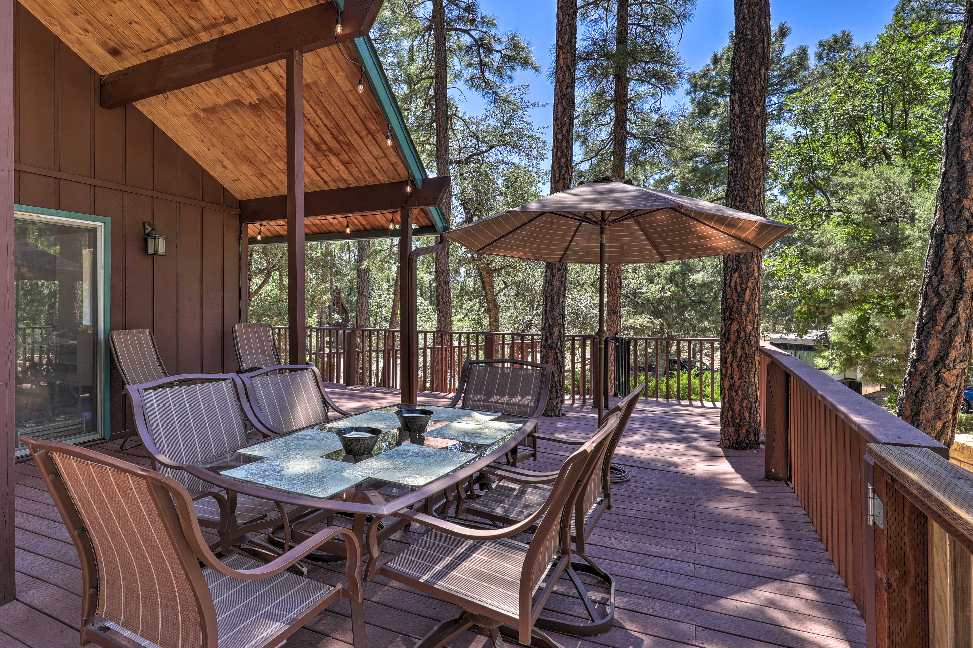 The vacation rental sleeps 6 and offers an amazing outdoor space.