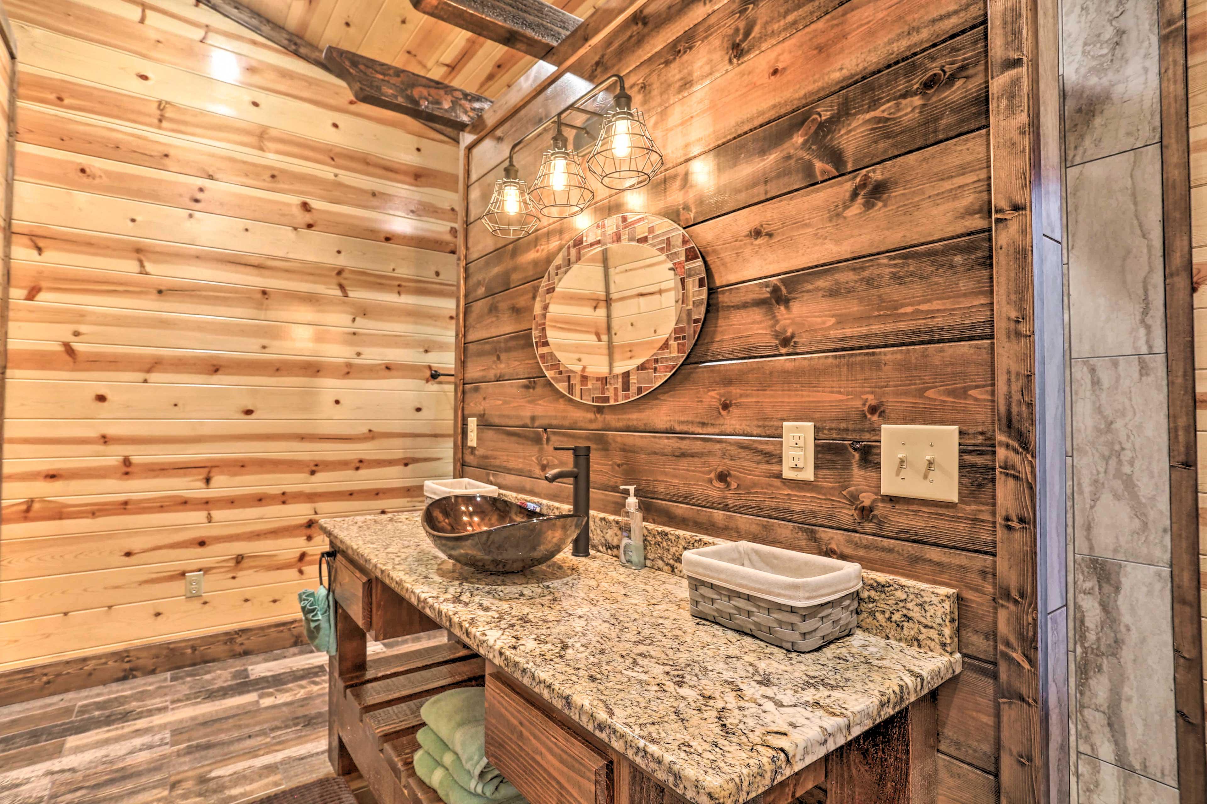 Full Bathroom | En-Suite