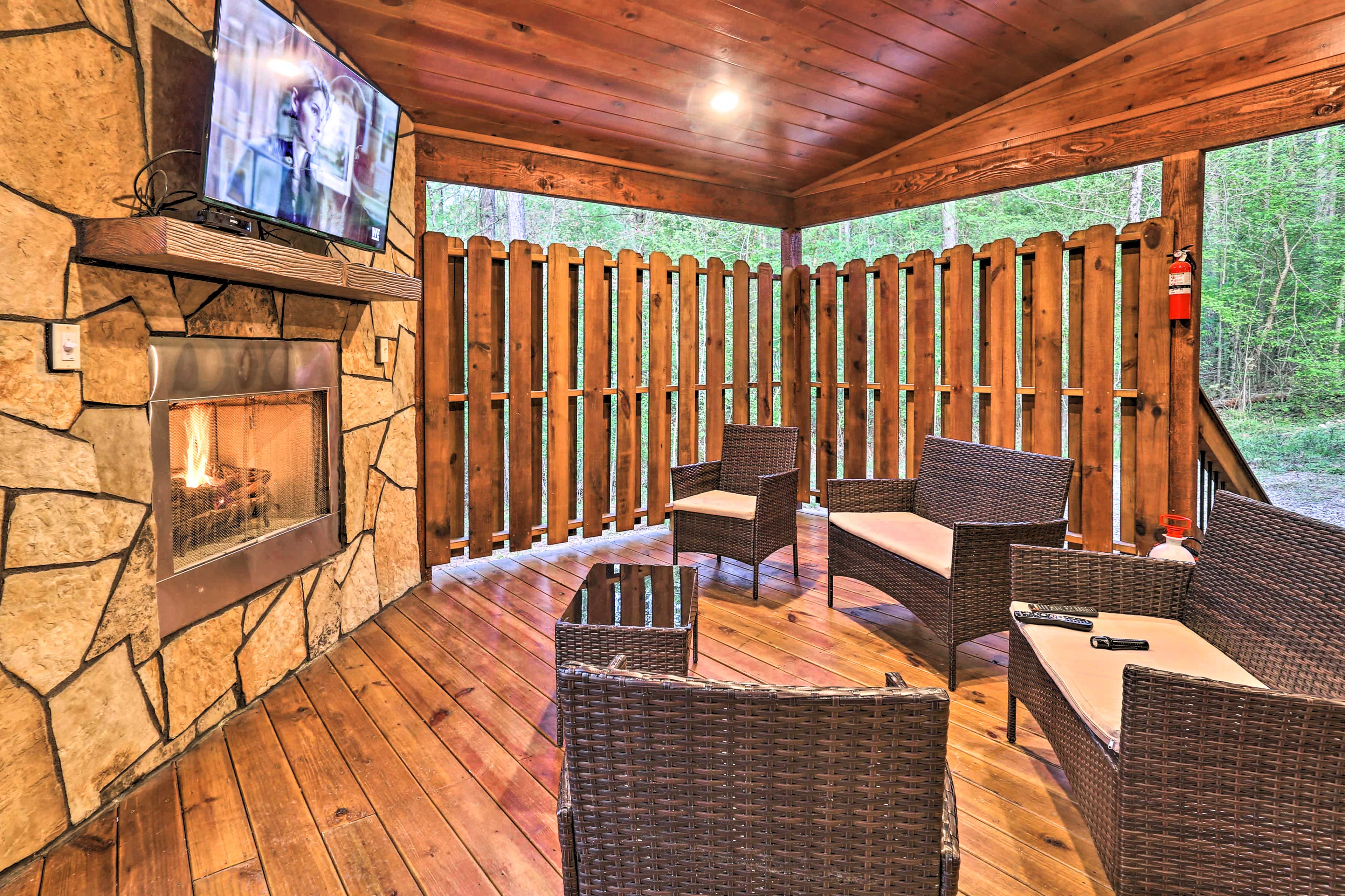 Covered Back Deck | Gas Fireplace