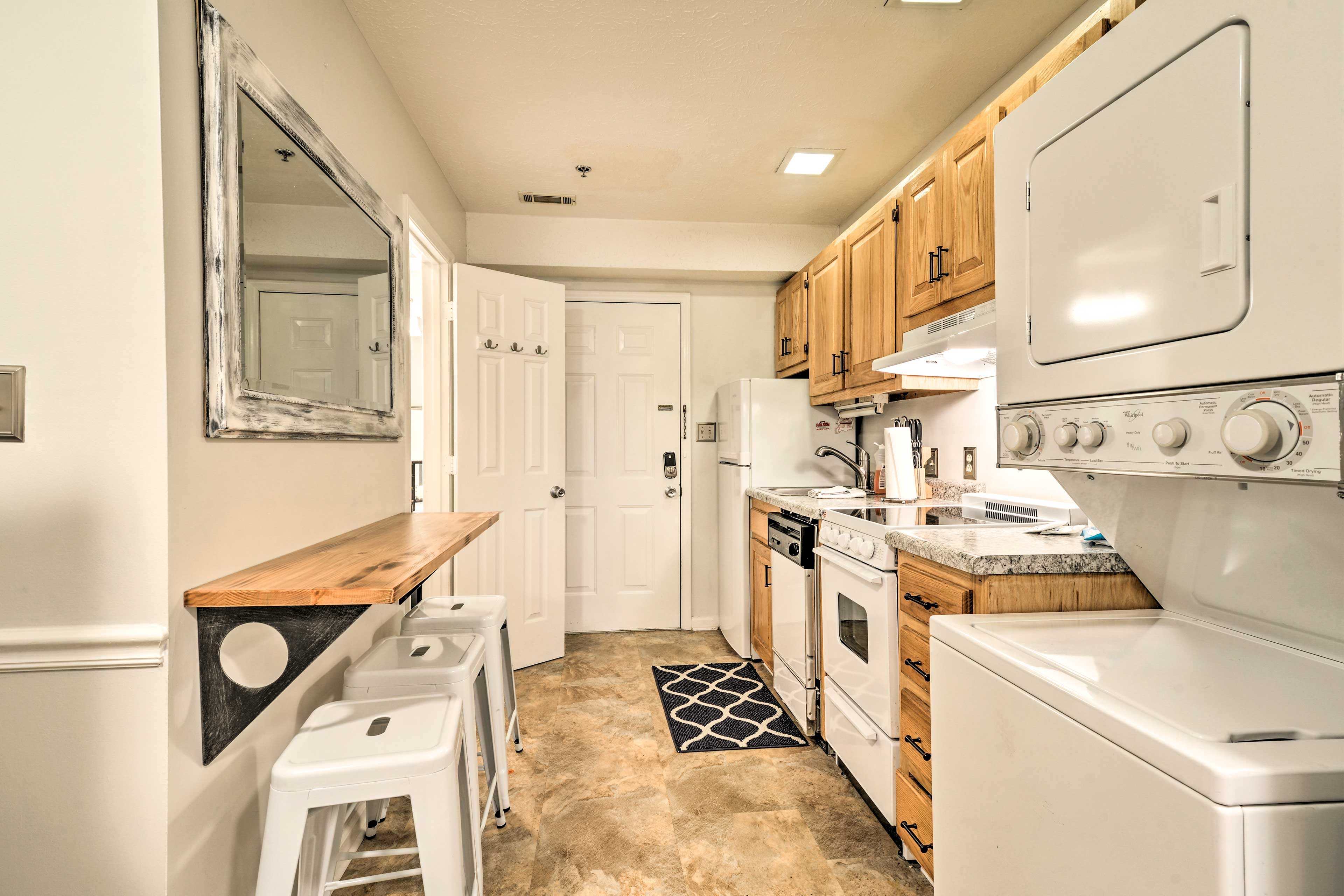 This condo is just 2 miles from Family Kingdom Amusement Park!
