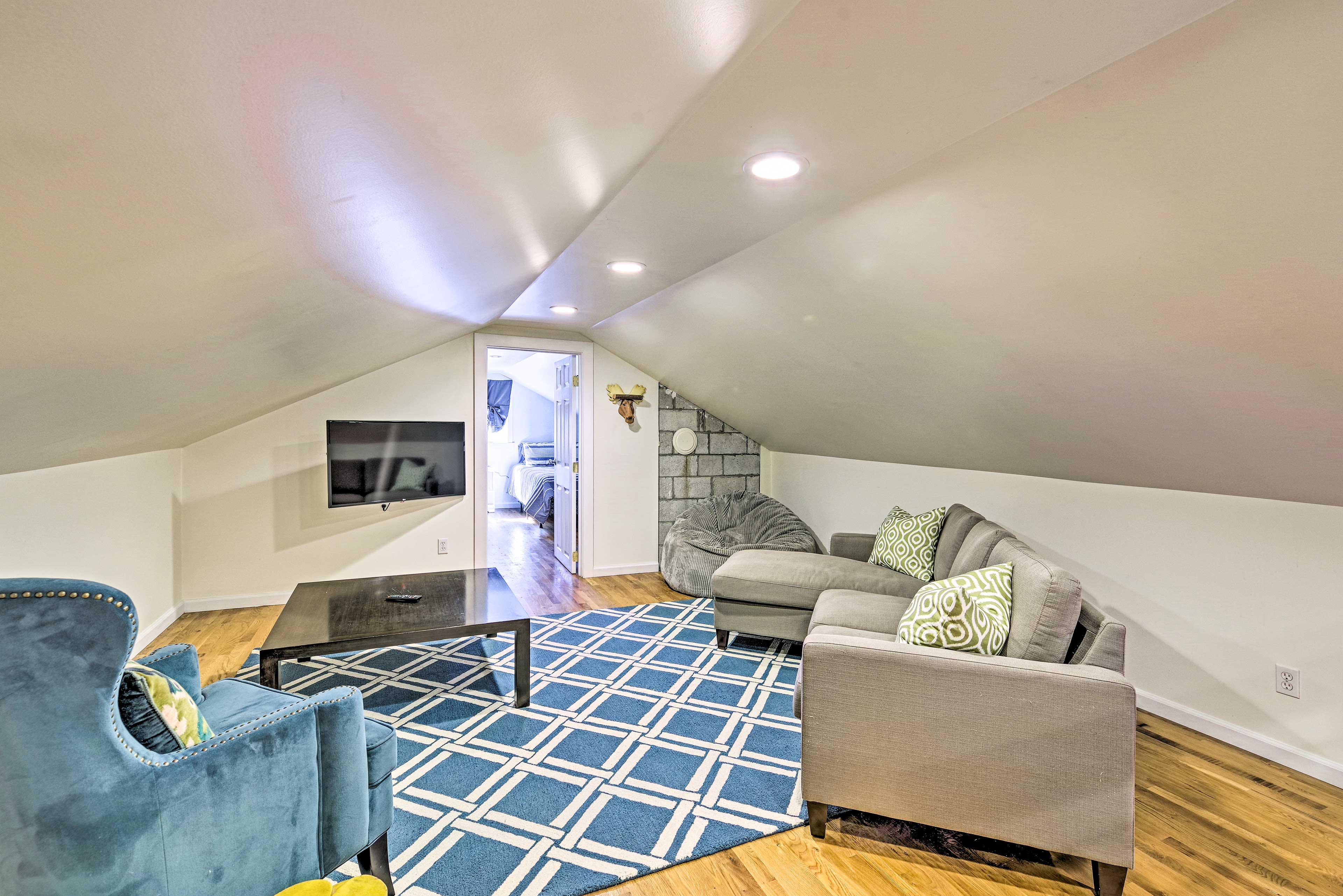 There are 2 separate living spaces to keep everyone in your group entertained!
