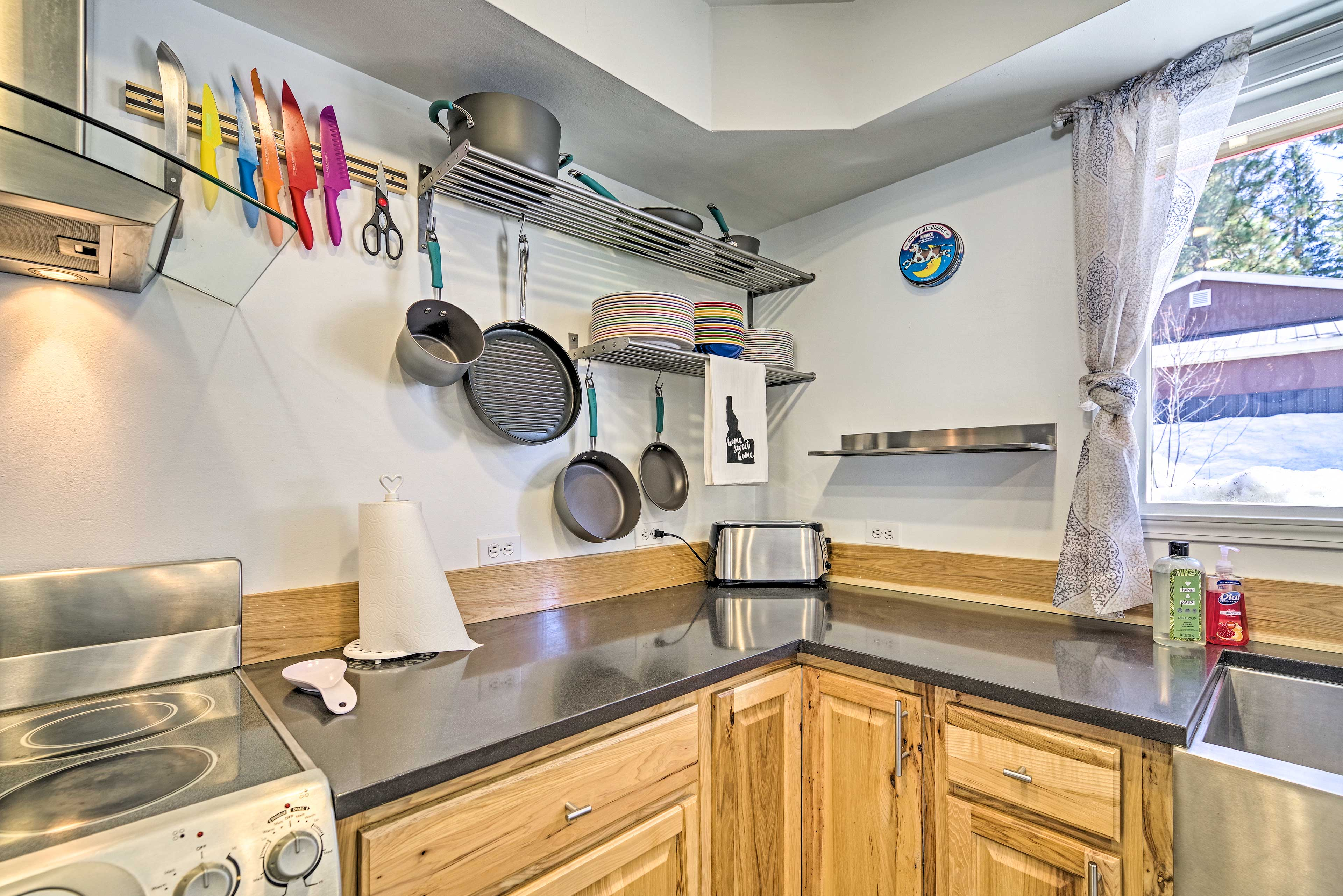 You'll love preparing your favorite dishes in this kitchen.