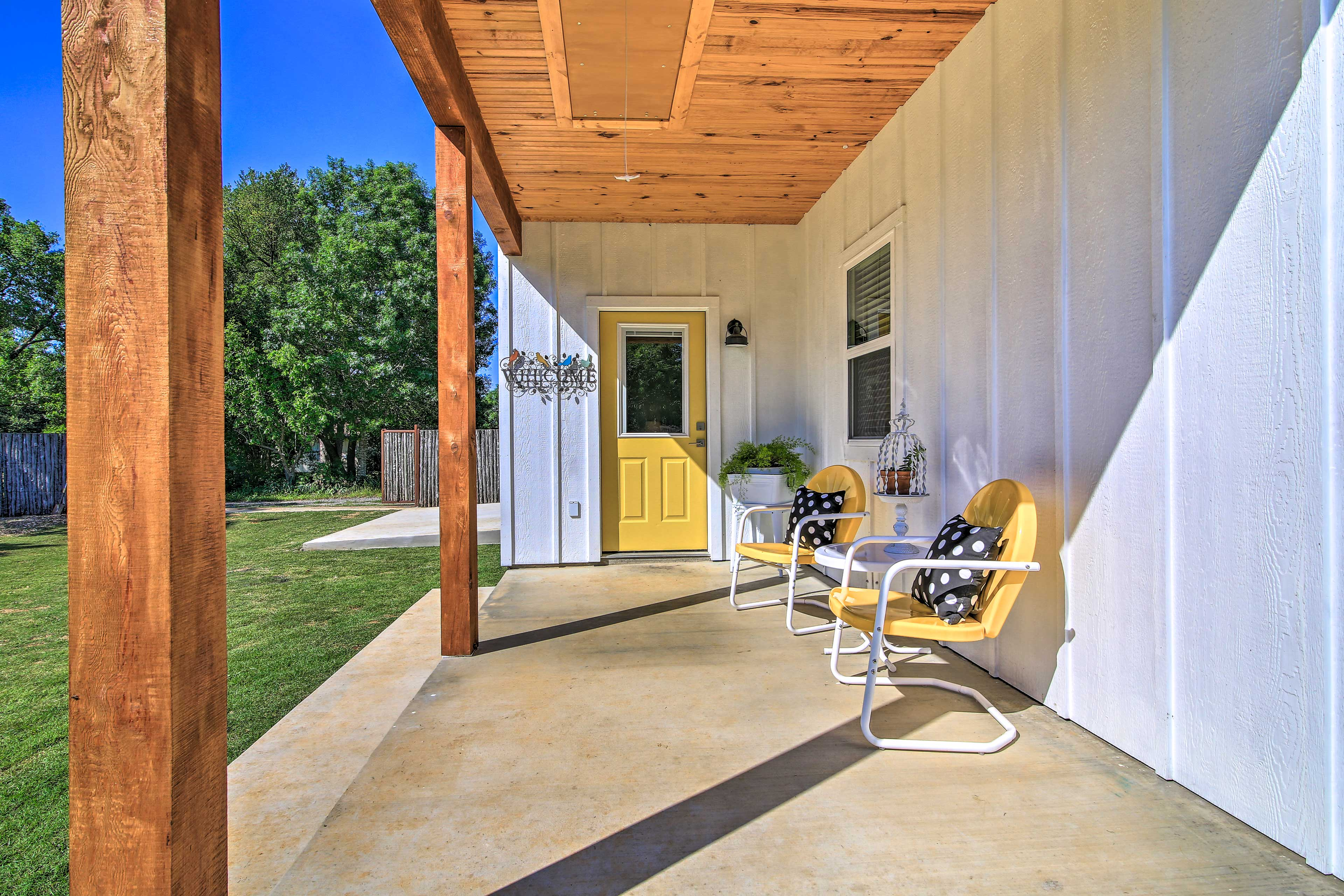 Kick back and relax on the furnished front patio.