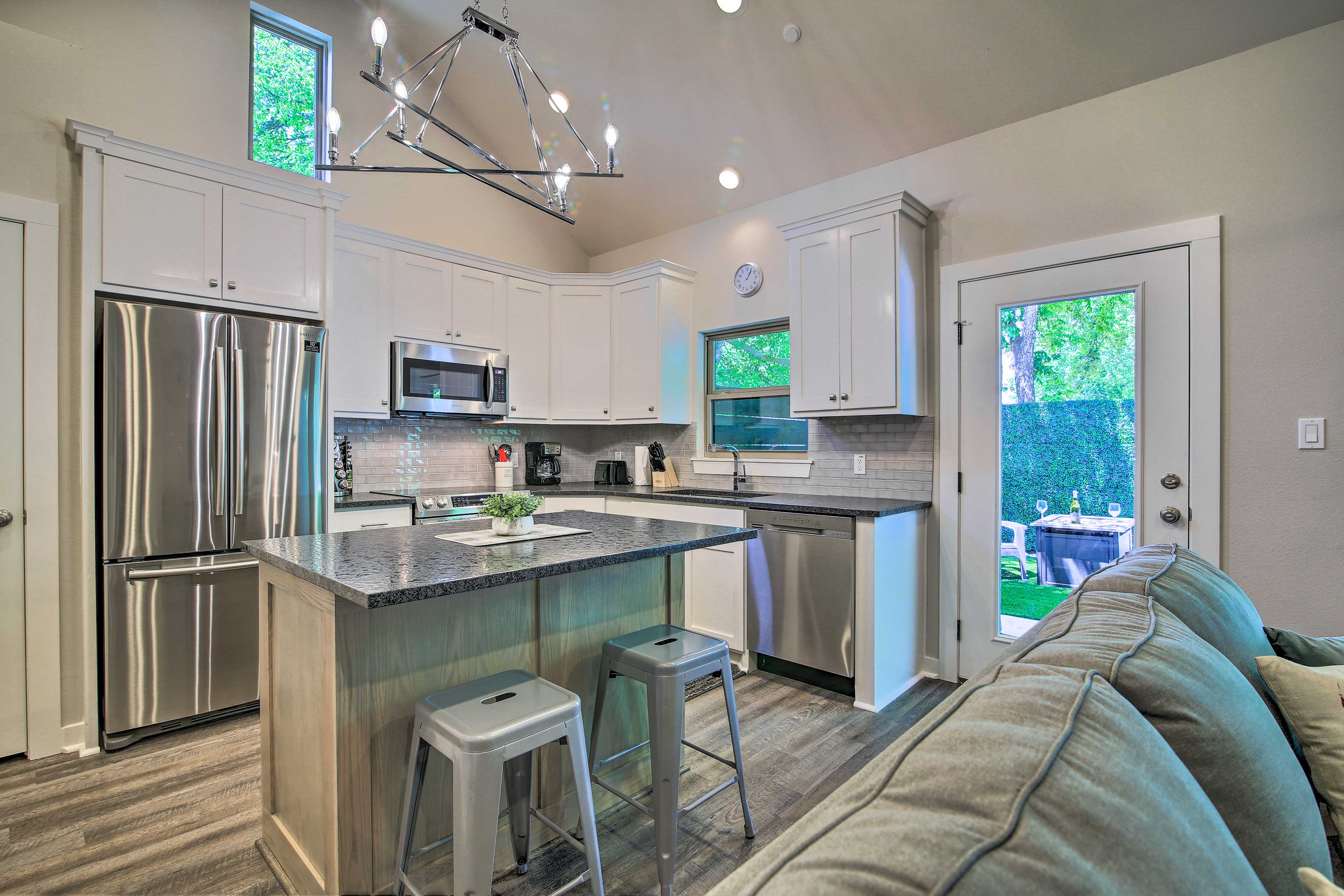 Try out a new recipe in this vacation rental's pristine full kitchen.