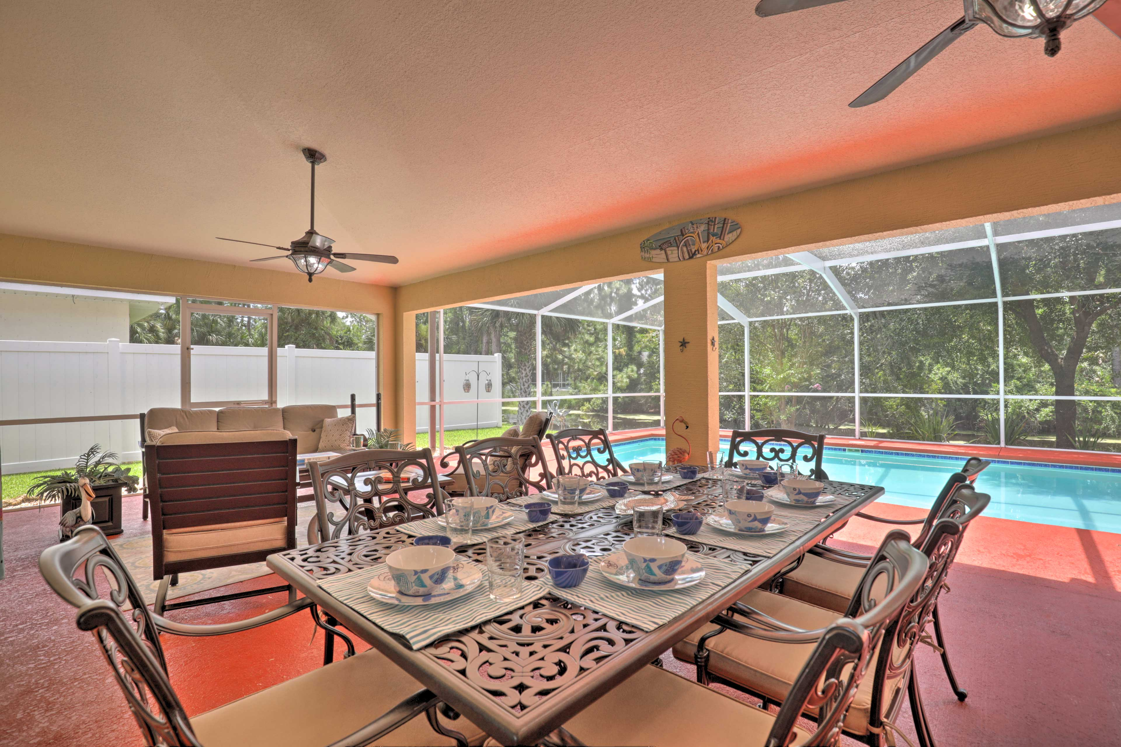 Head outside and enjoy a feast around the outdoor dining table.