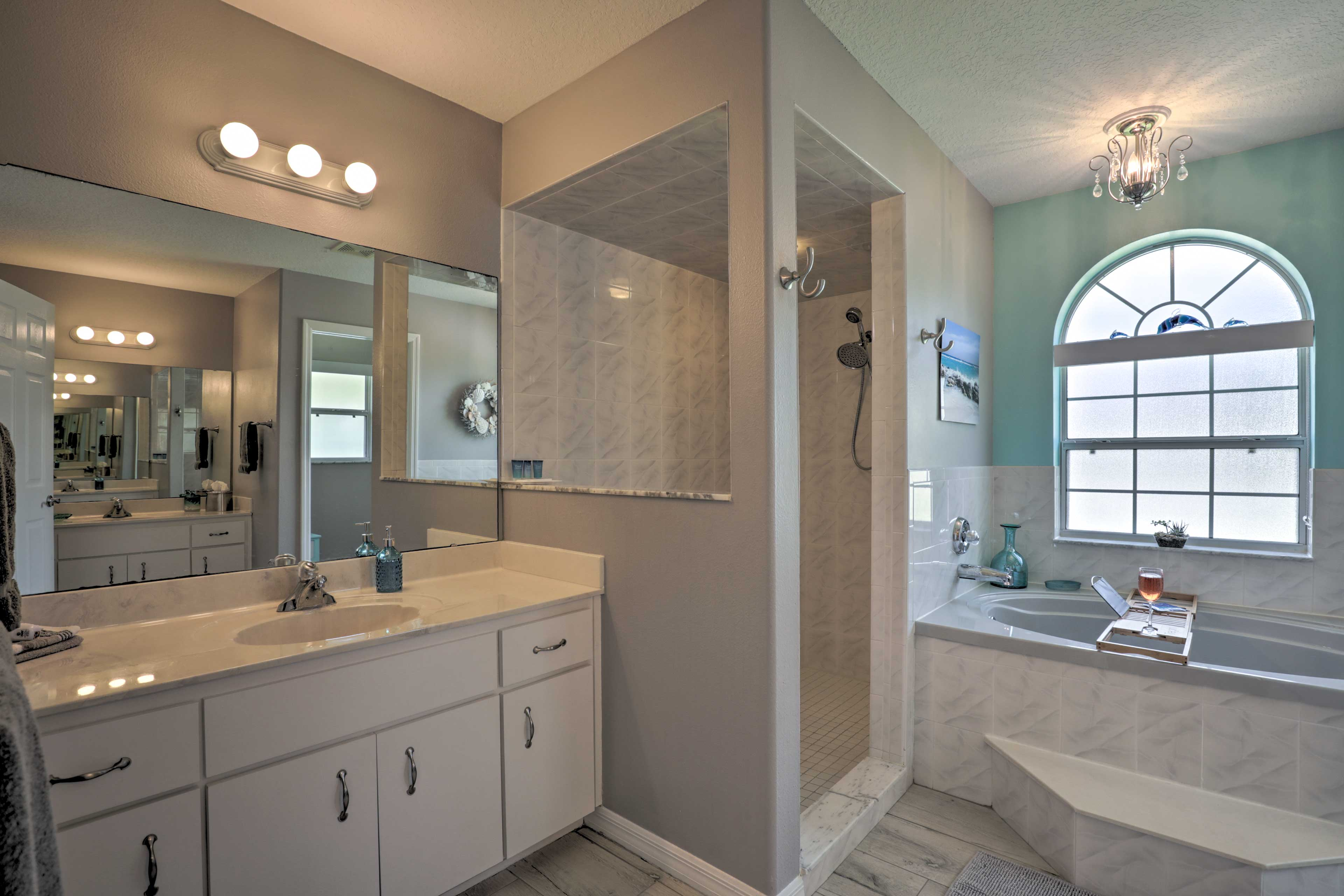 Rinse off in the en-suite's tile walk-in shower.