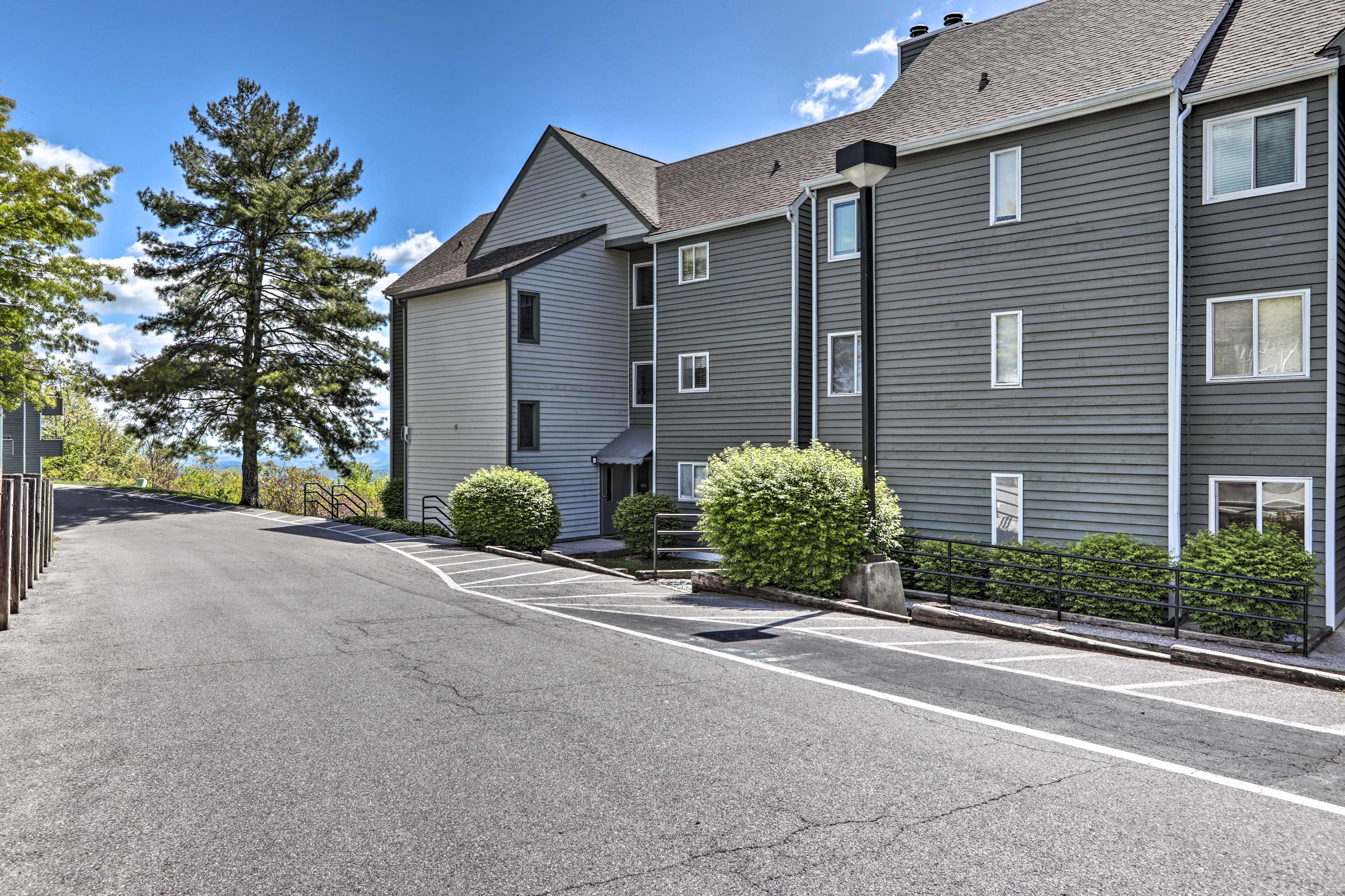 You'll have plenty of parking space in this first-come, first-served lot.