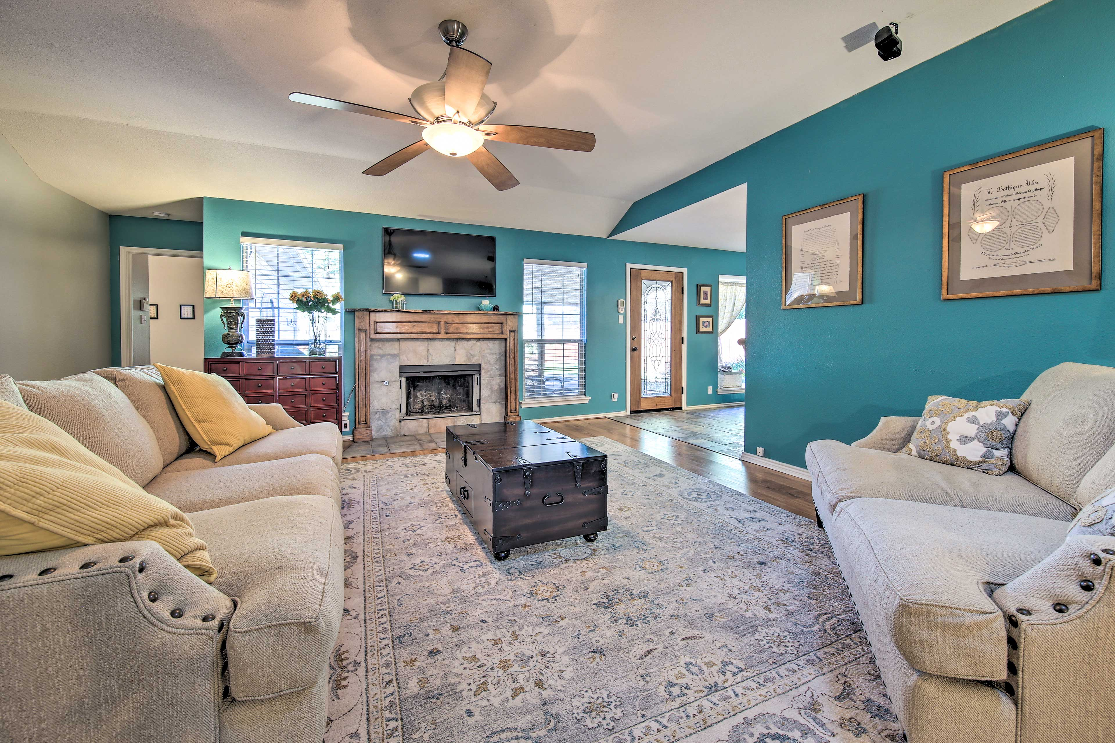 San Antonio Vacation Rental Home | 3BR | 2BA | 2,038 Sq Ft | No Steps Required