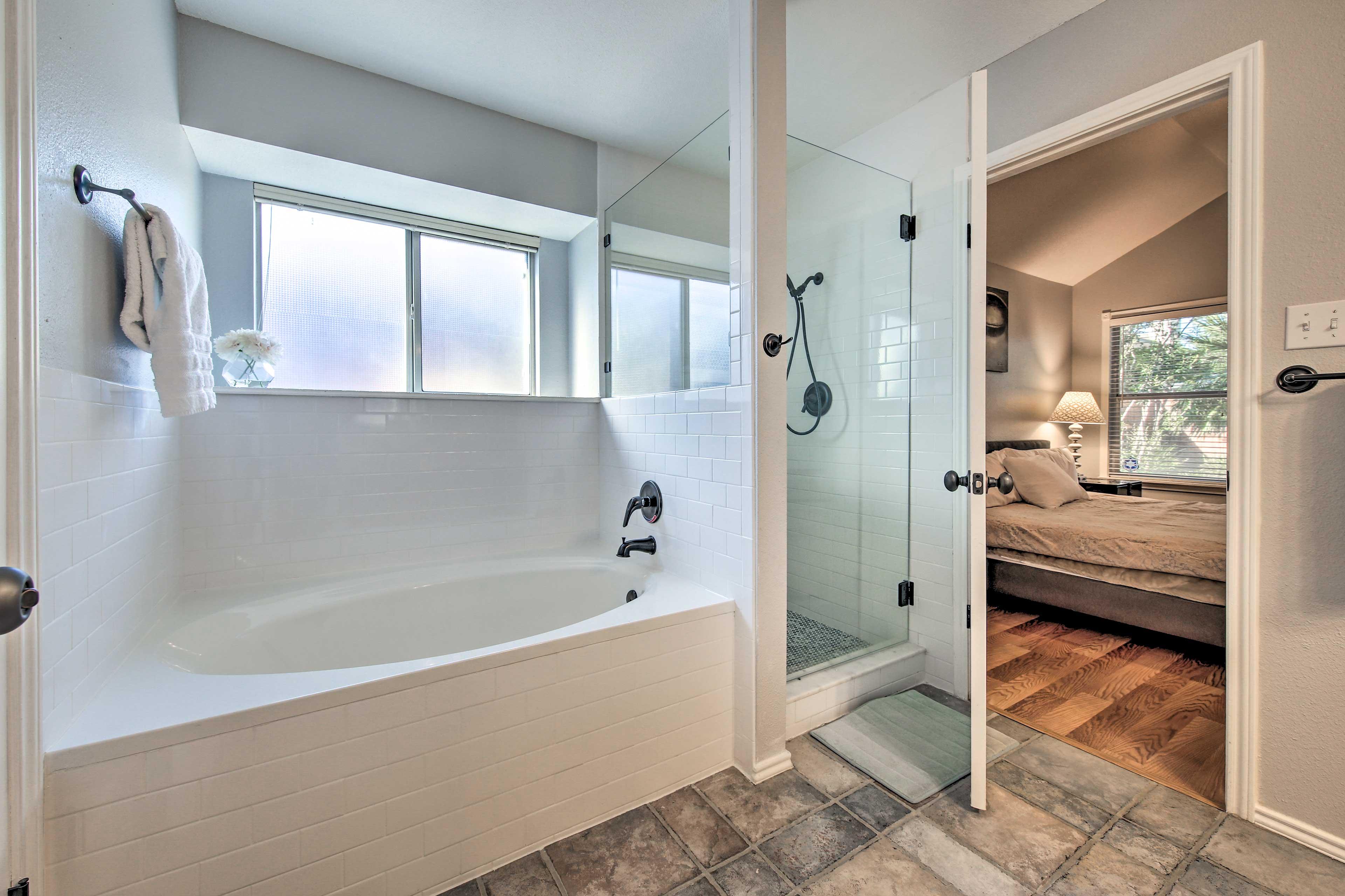 Full Bathroom 1 | En-Suite Bathroom