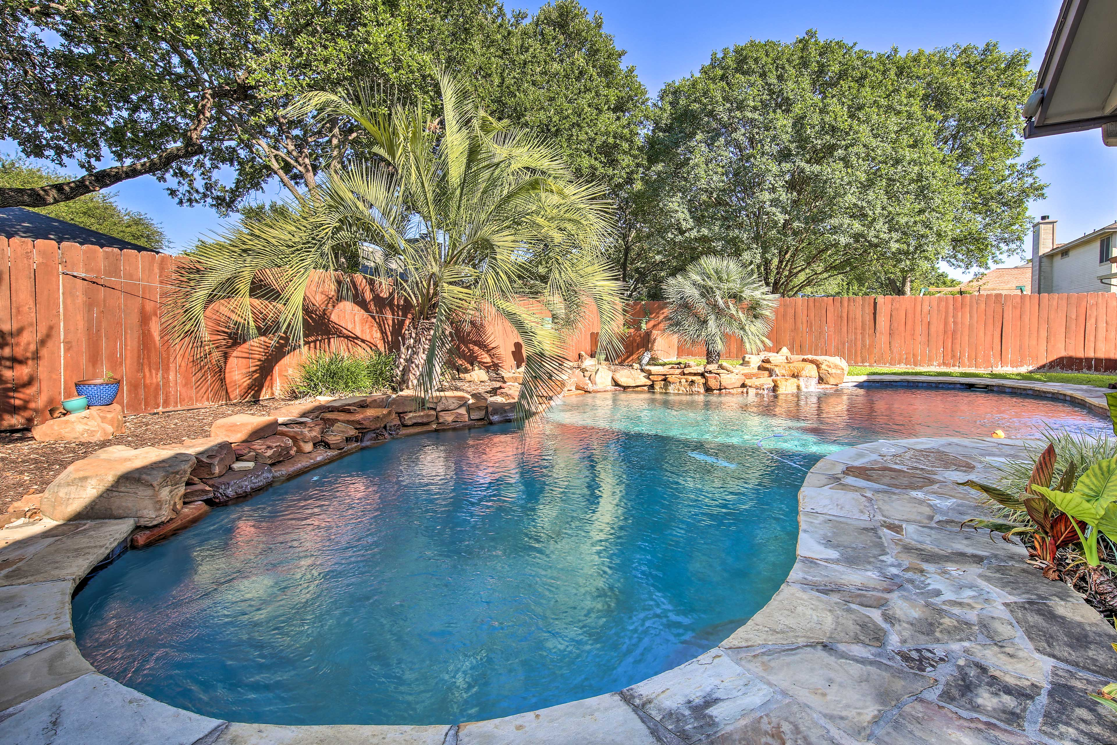Backyard | Private Pool