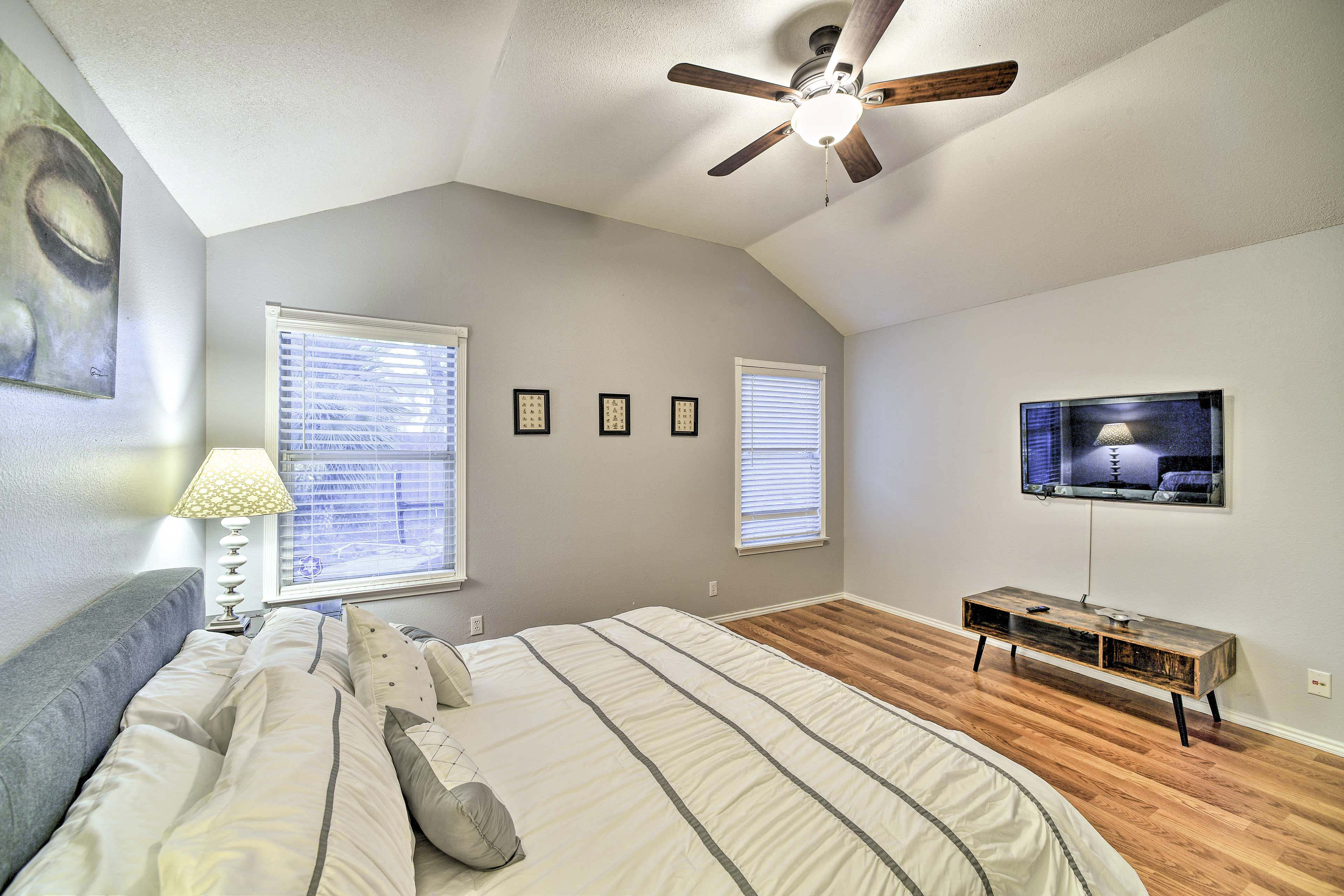 Bedroom 1 | Mounted TV