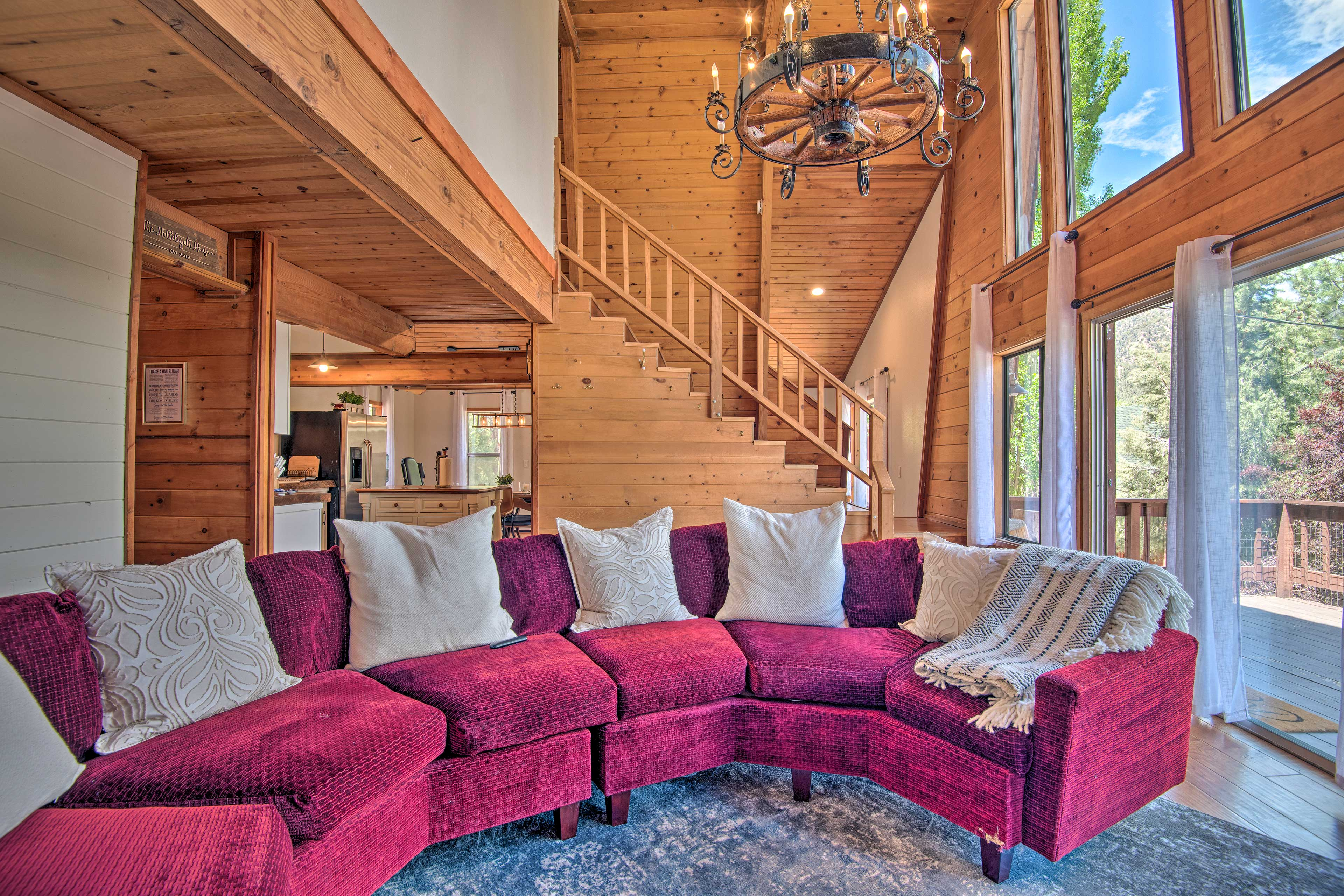Enjoy upscale luxuries in this modern cabin, part of the Pine Mountain Club!
