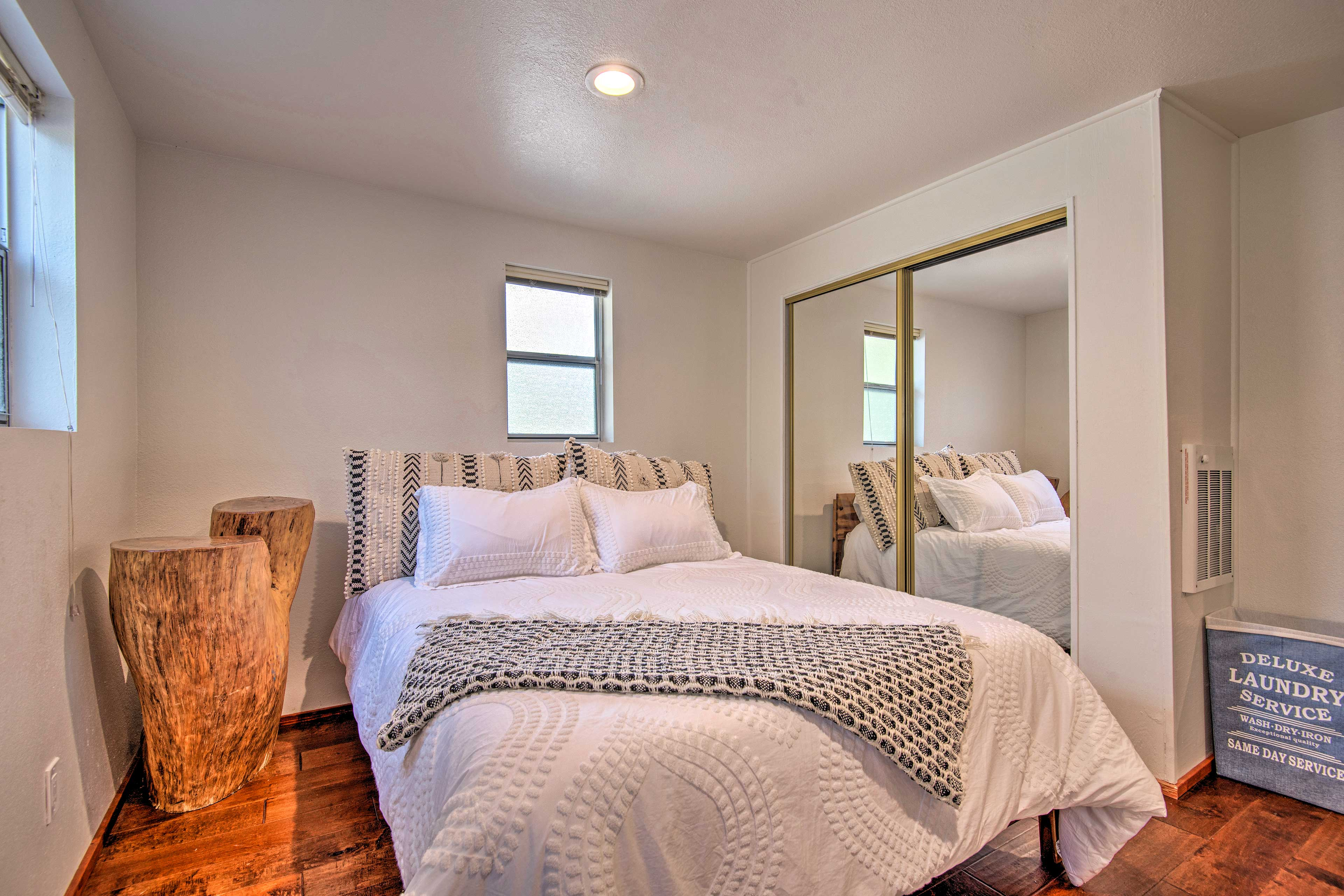 Enjoy privacy & comfort in this lower-level unit.