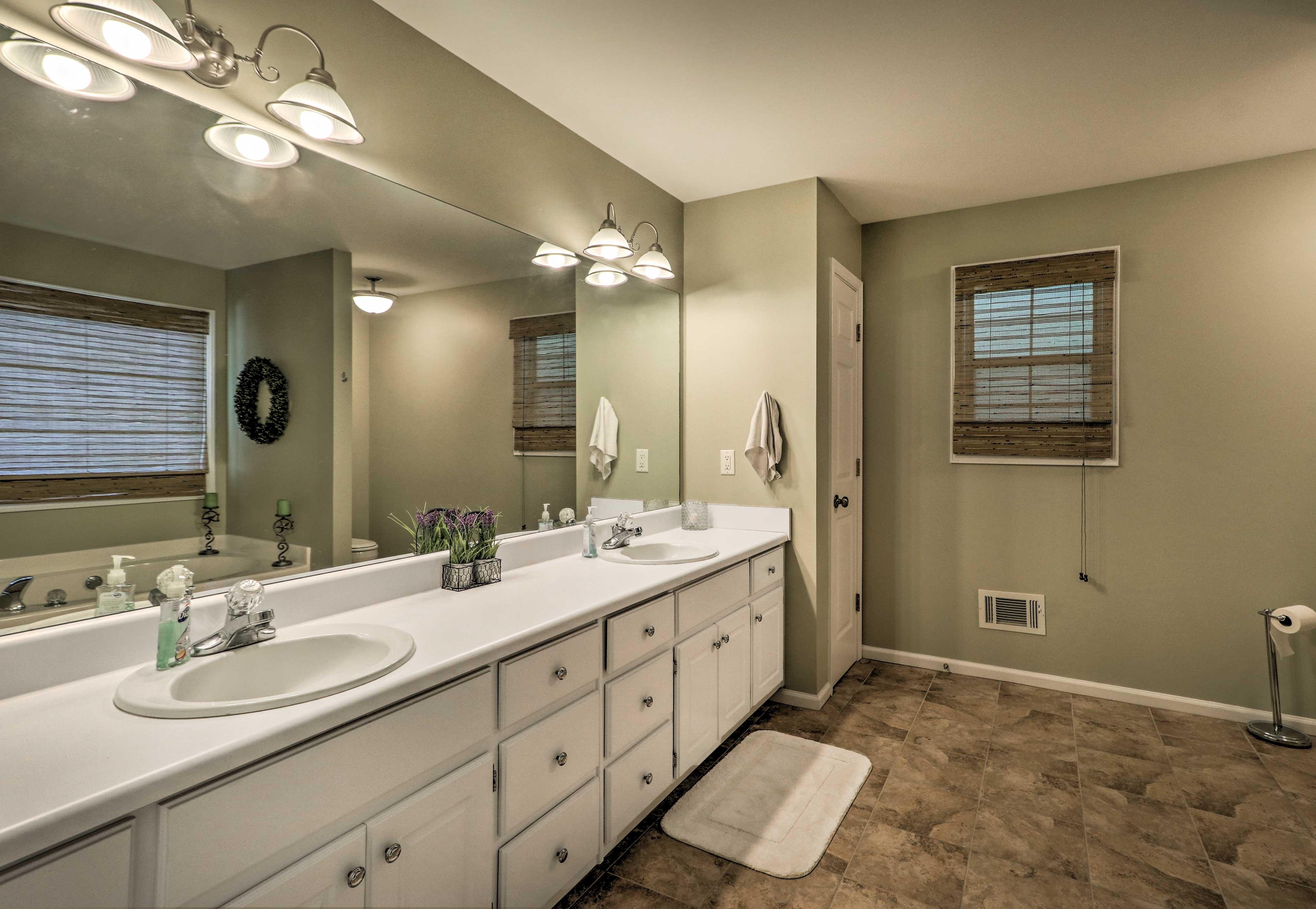 En-Suite Bathroom | Dual Sinks
