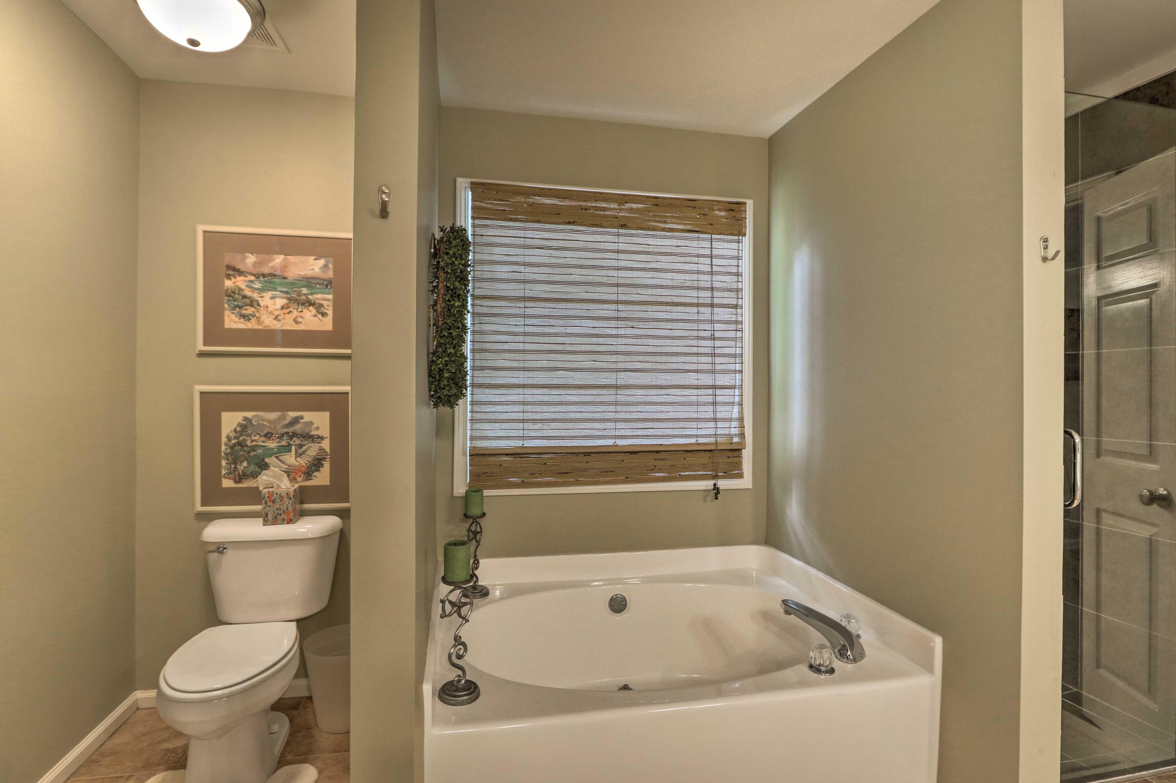 En-Suite Bathroom | Soaking Tub