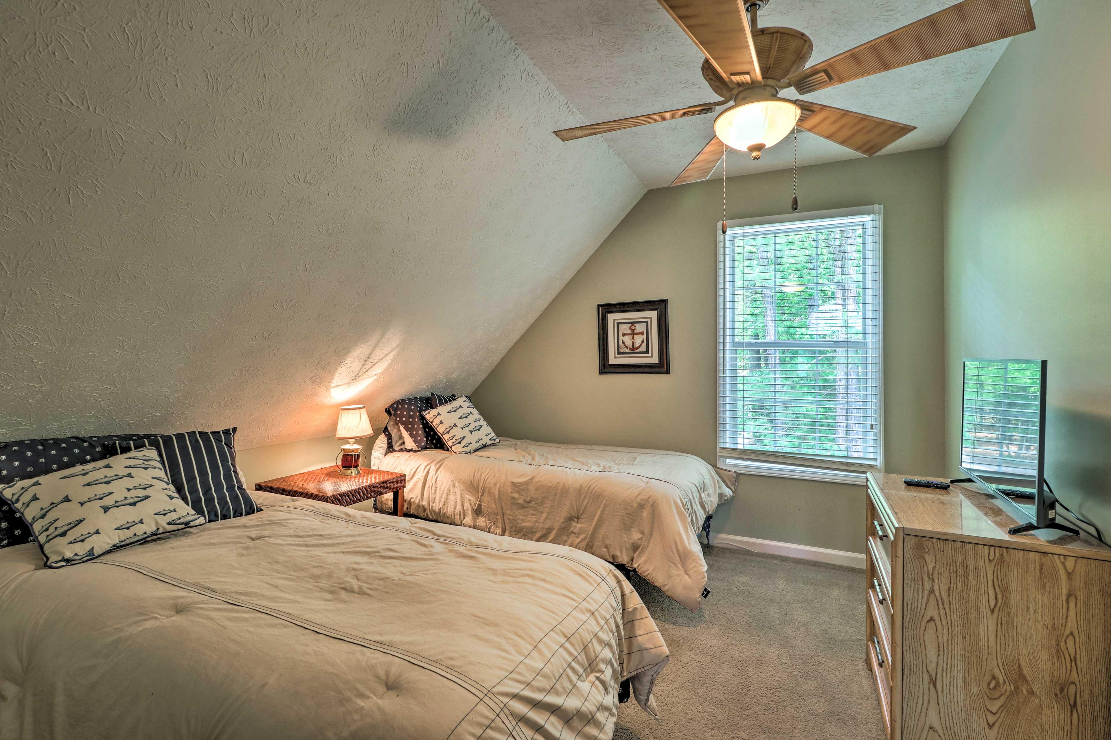 Bedroom 3 | 2 XL Twin Beds