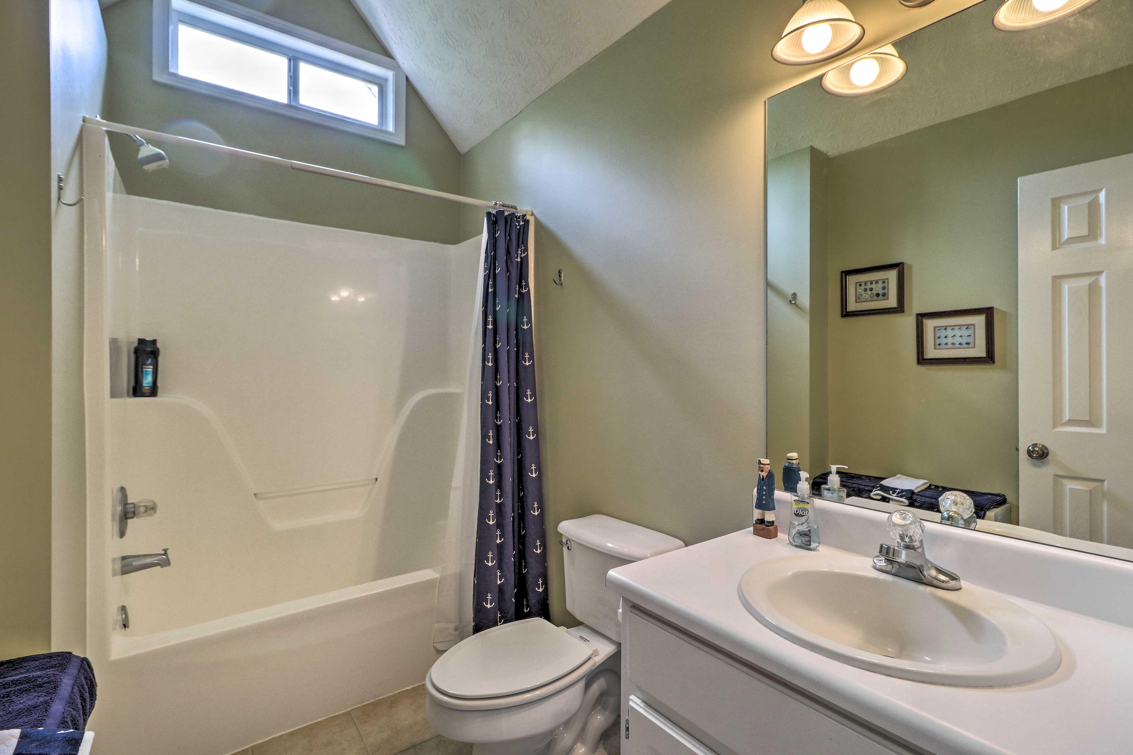 Bathroom | Shower/Tub Combo