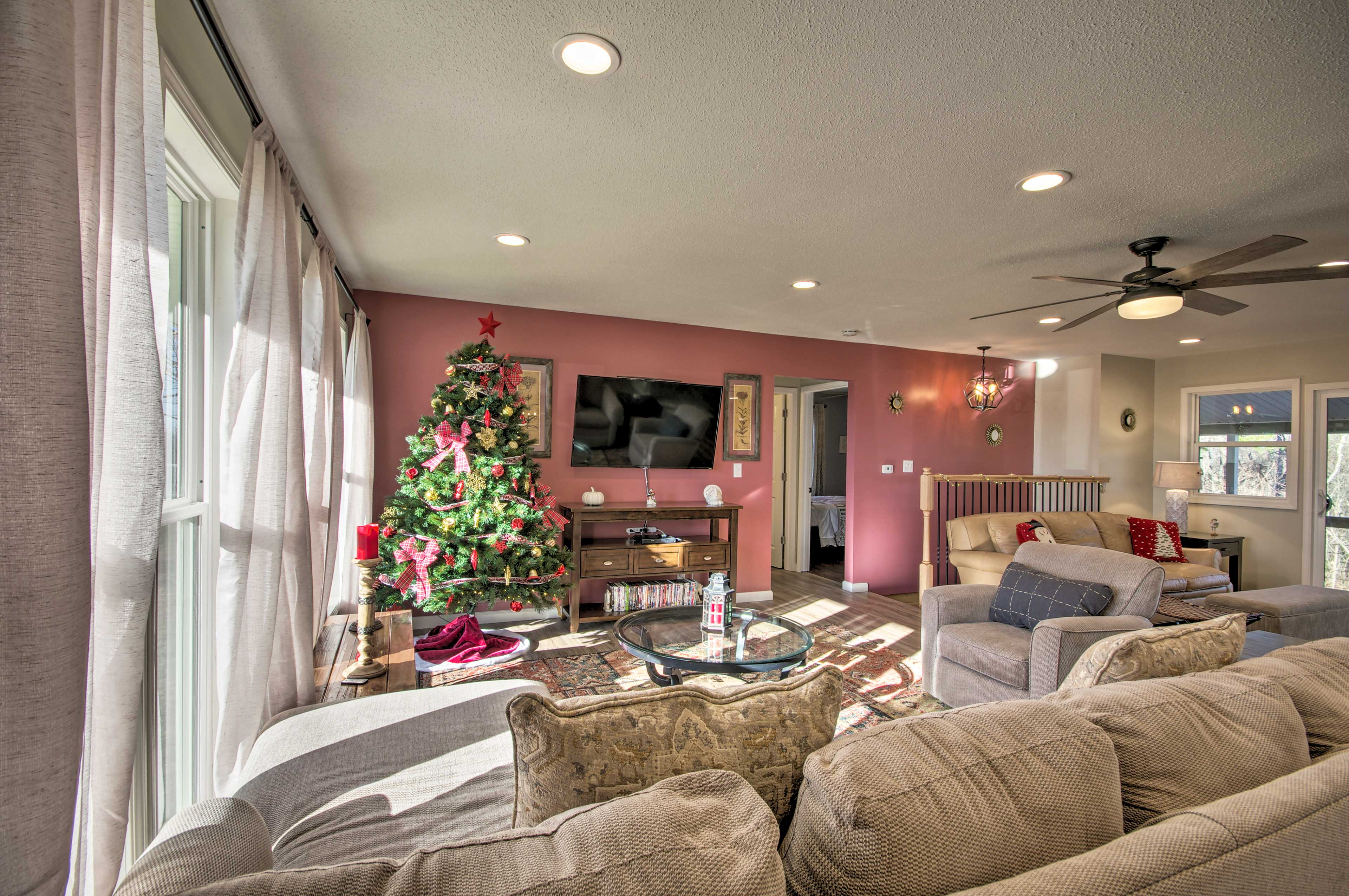 Living Room 1 | Central Air Conditioning/Heat