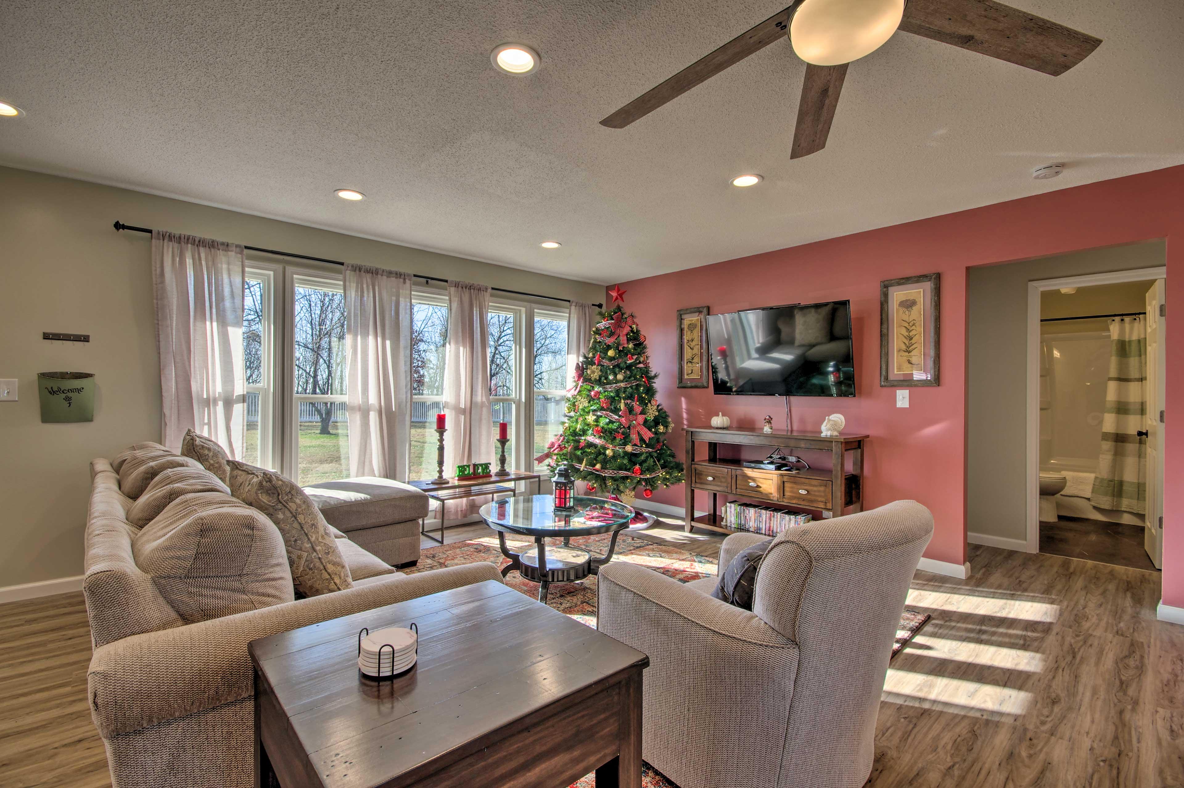Living Room 1 | Smart TV
