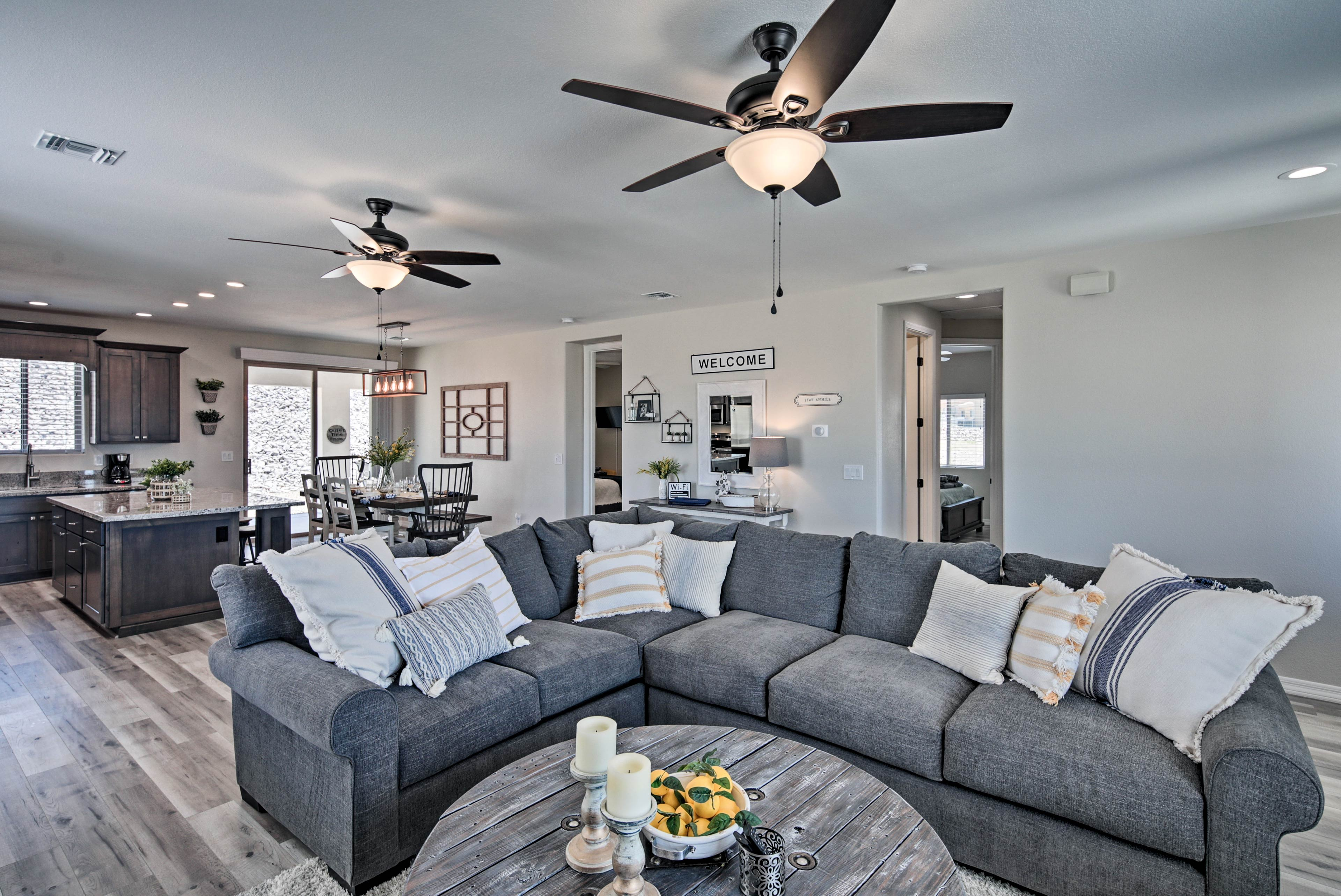 Sit back and enjoy the luxury of this Bullhead City home!