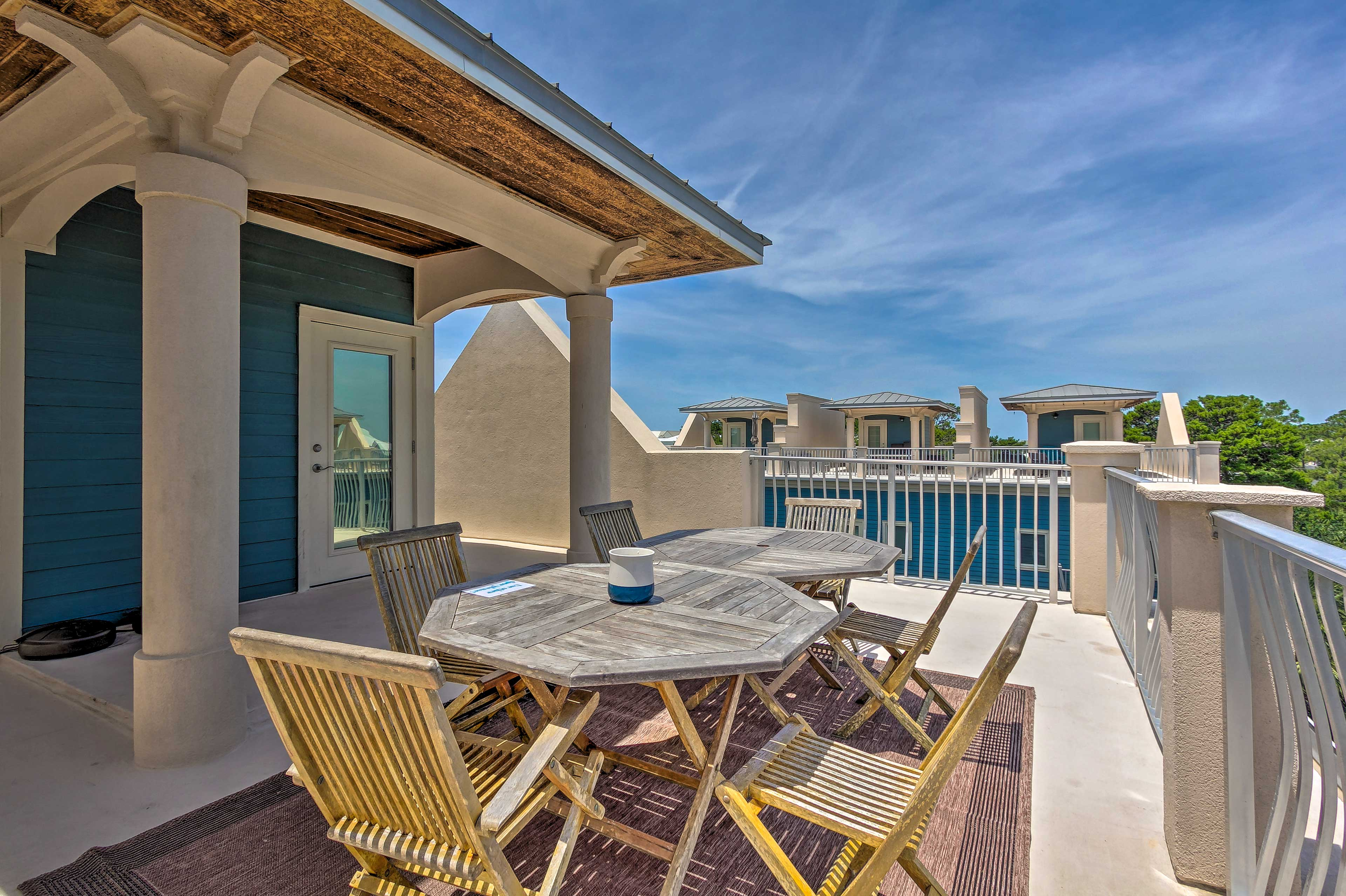 Plan your Santa Rosa Beach retreat to this top-notch townhome located near town!