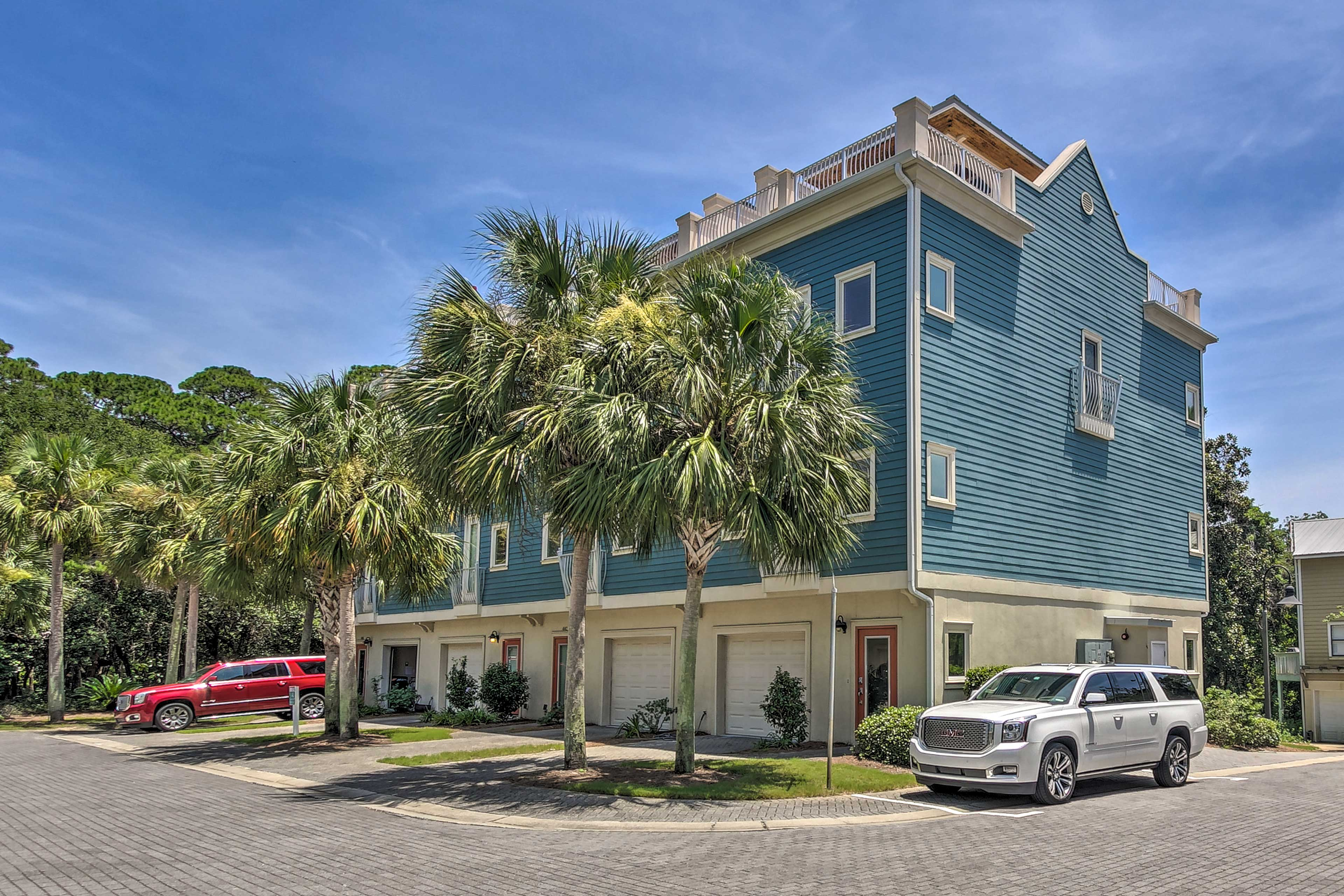 This townhome also features 1 garage and 1 driveway parking spot.