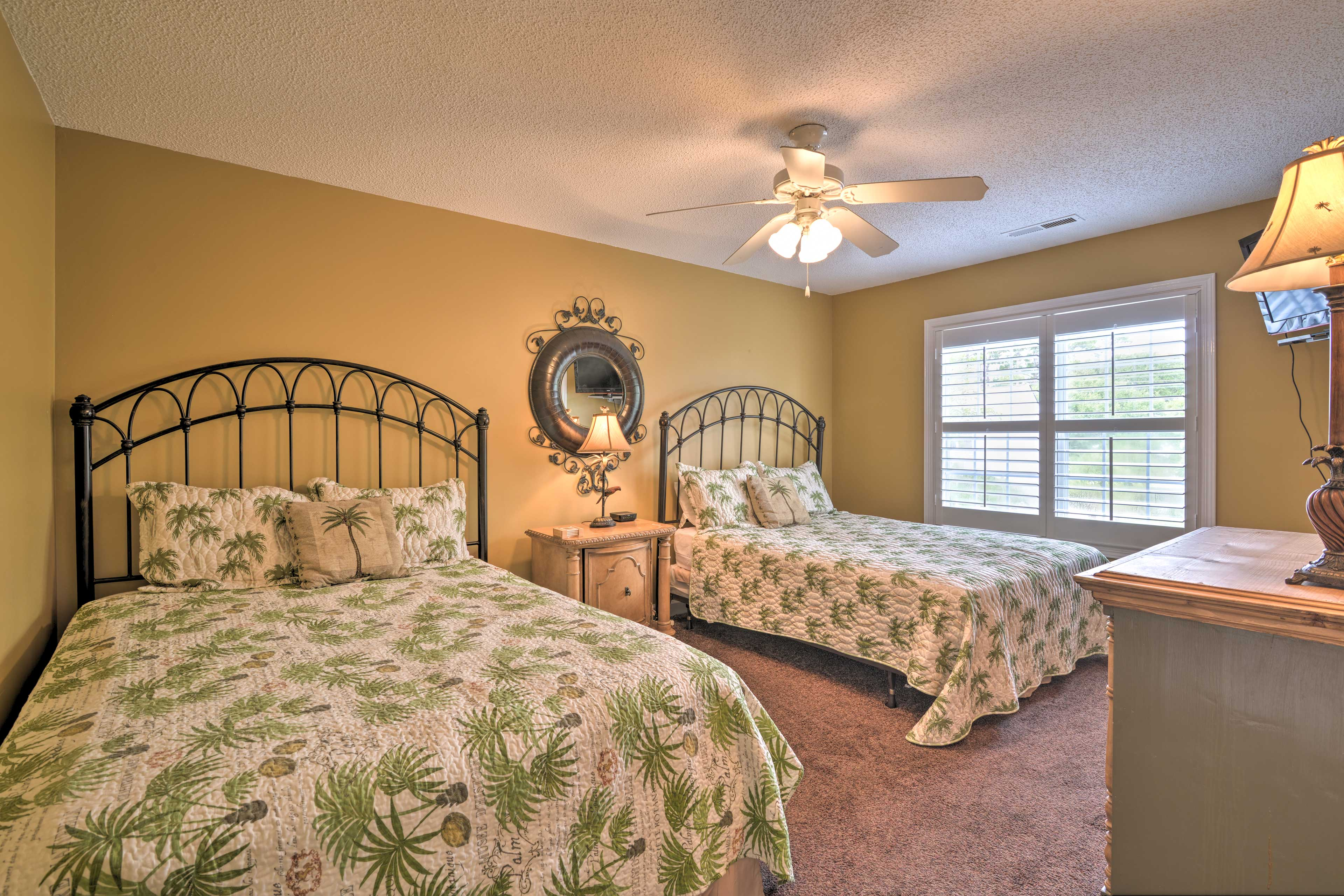 Easily sleep up to 4 guests in this bedroom.
