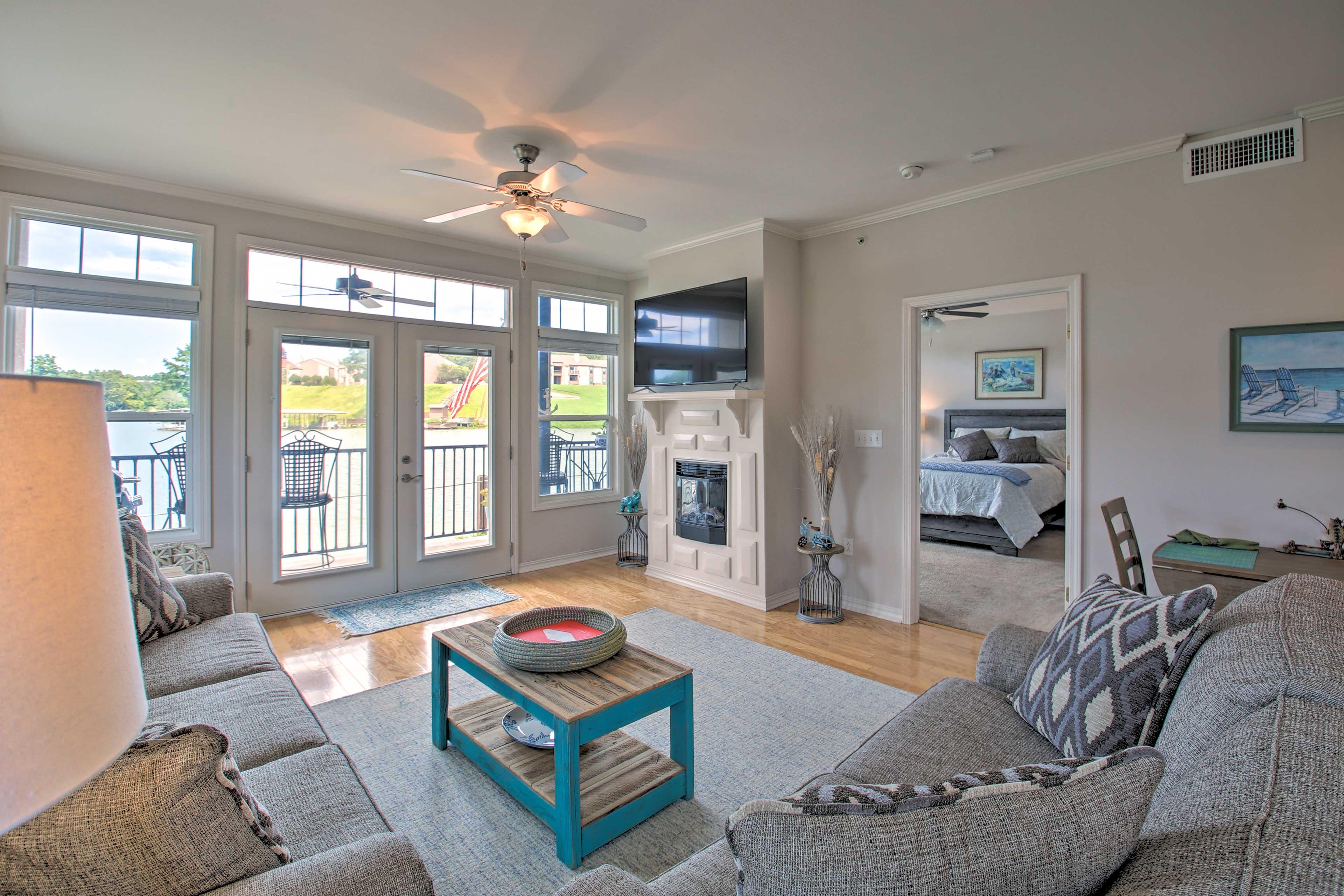 Make this 2-bed, 2-bath vacation rental condo your Arkansas home base.