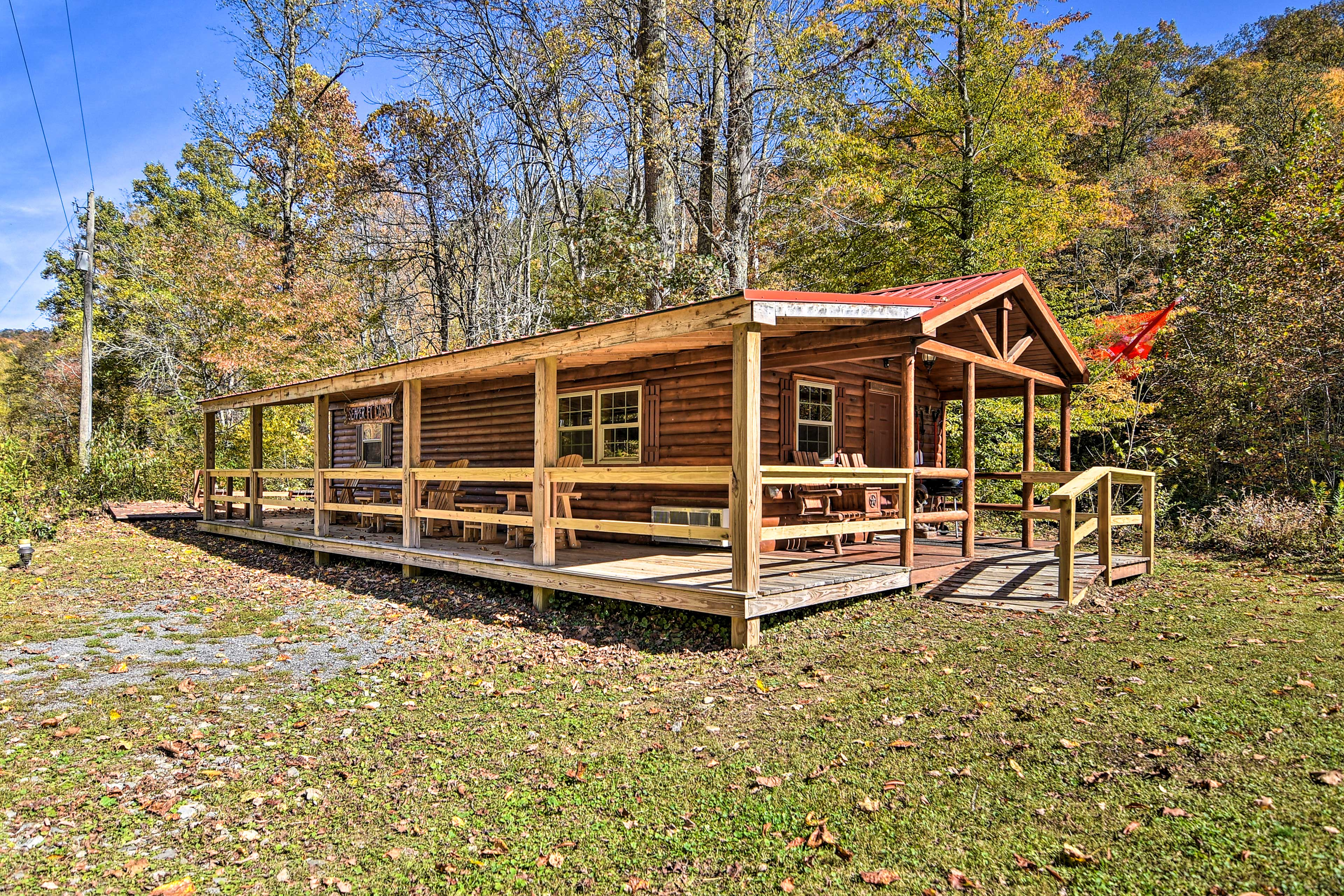 Cabin Exterior | Step-Free Access
