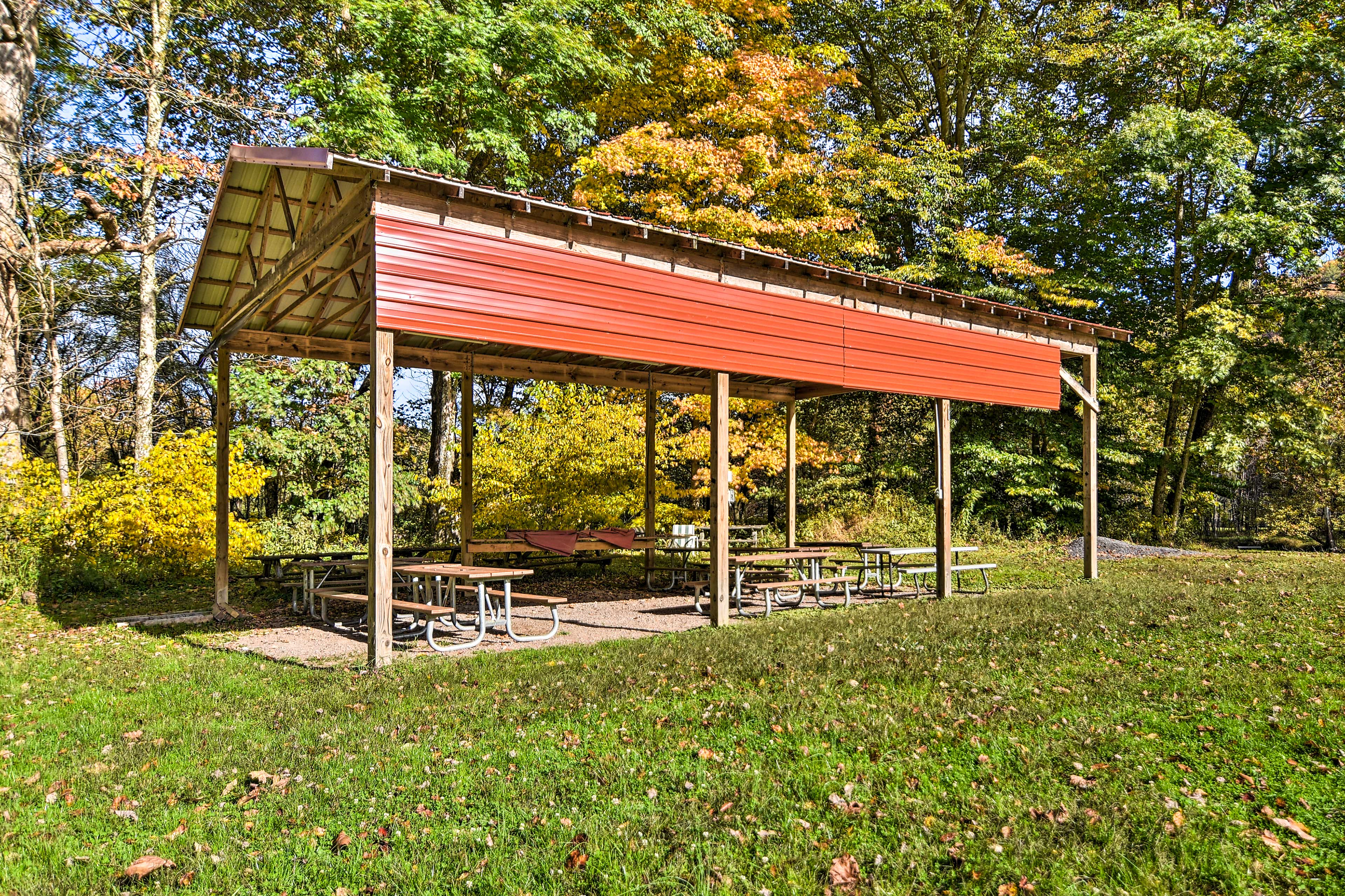 Community Amenities | Outdoor Picnic Pavilion
