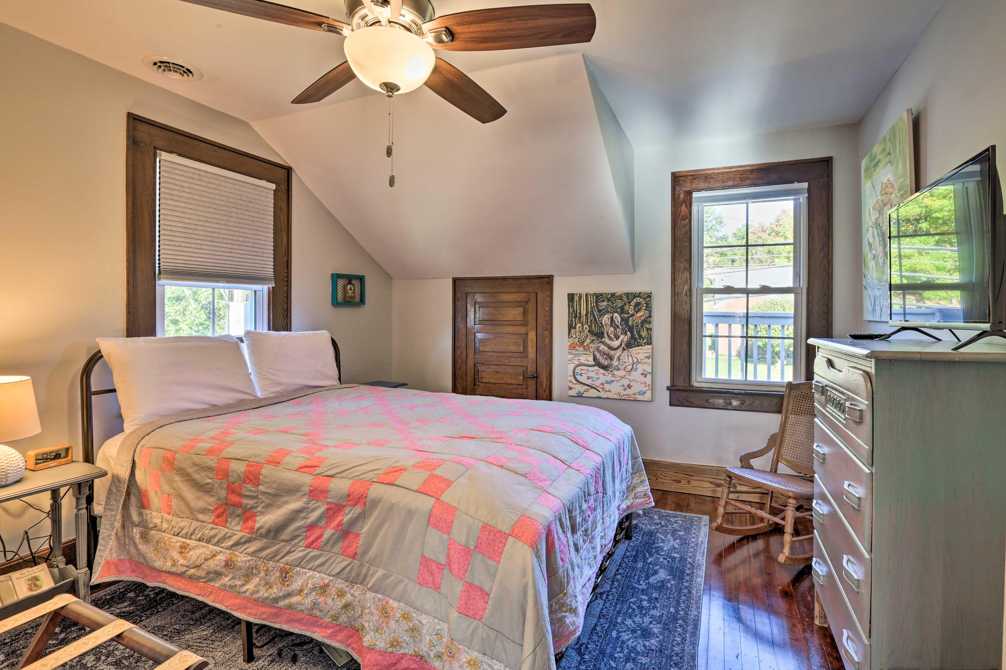 Bedroom 1 | Queen Bed | 2nd Floor