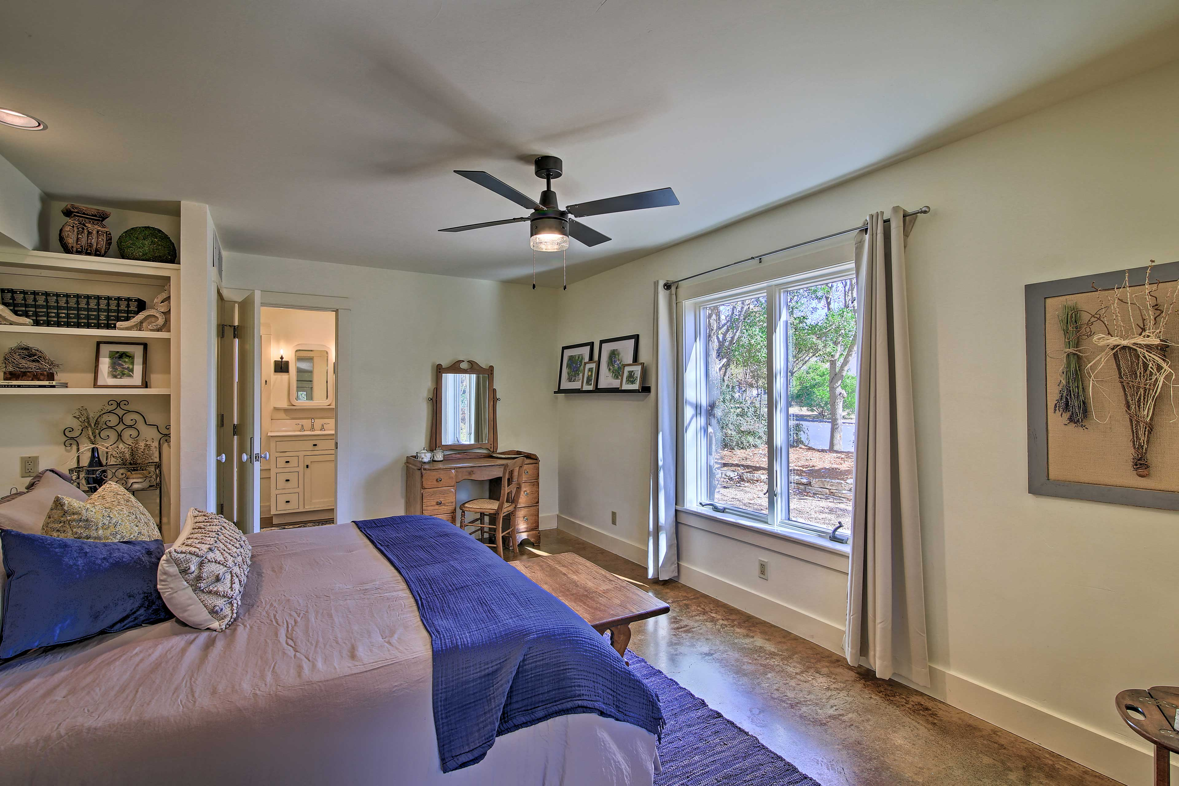 Bedroom 1 | Blue Jay Bungalow | King Bed