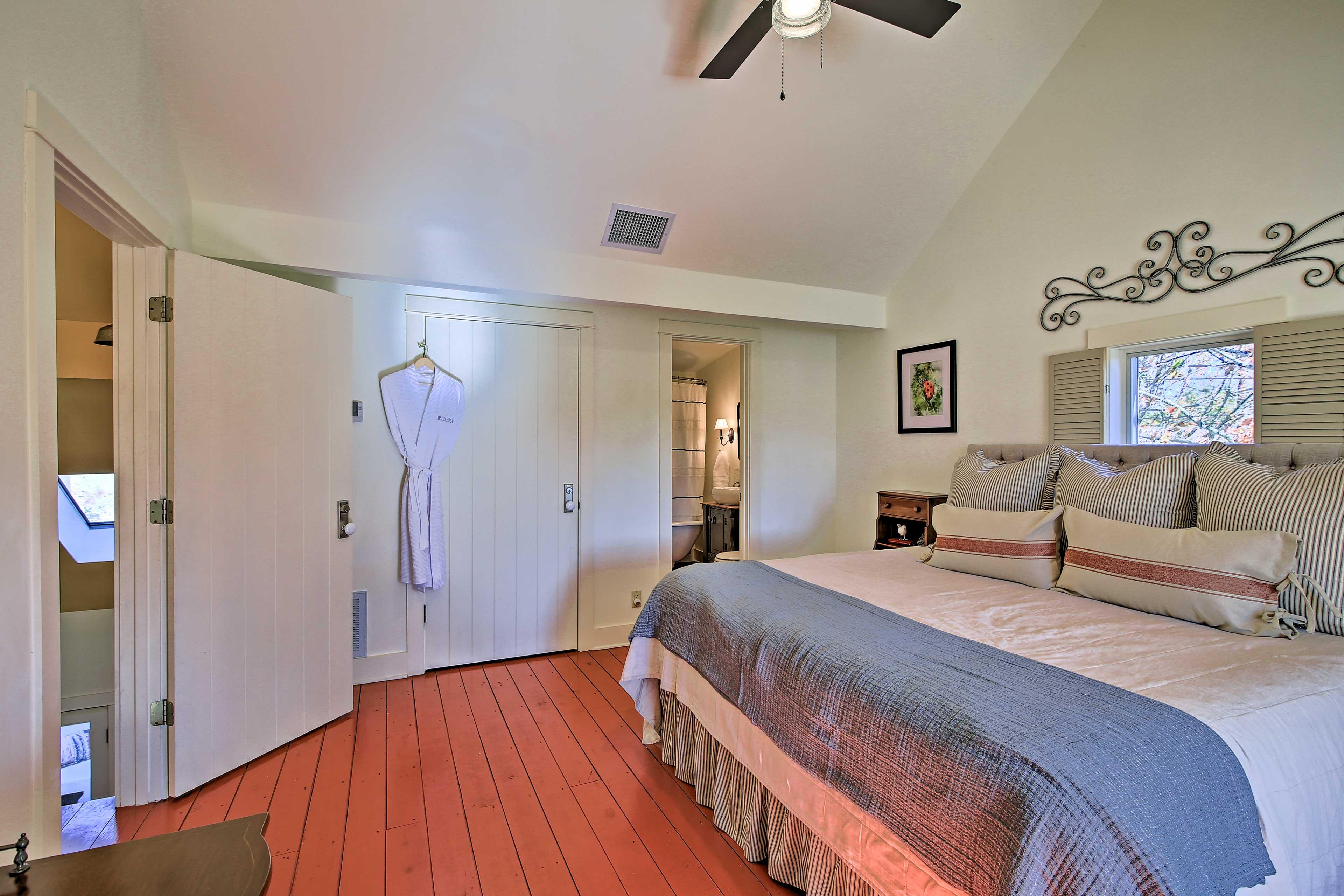 Bedroom 3 | Cardinal Casita | King Bed