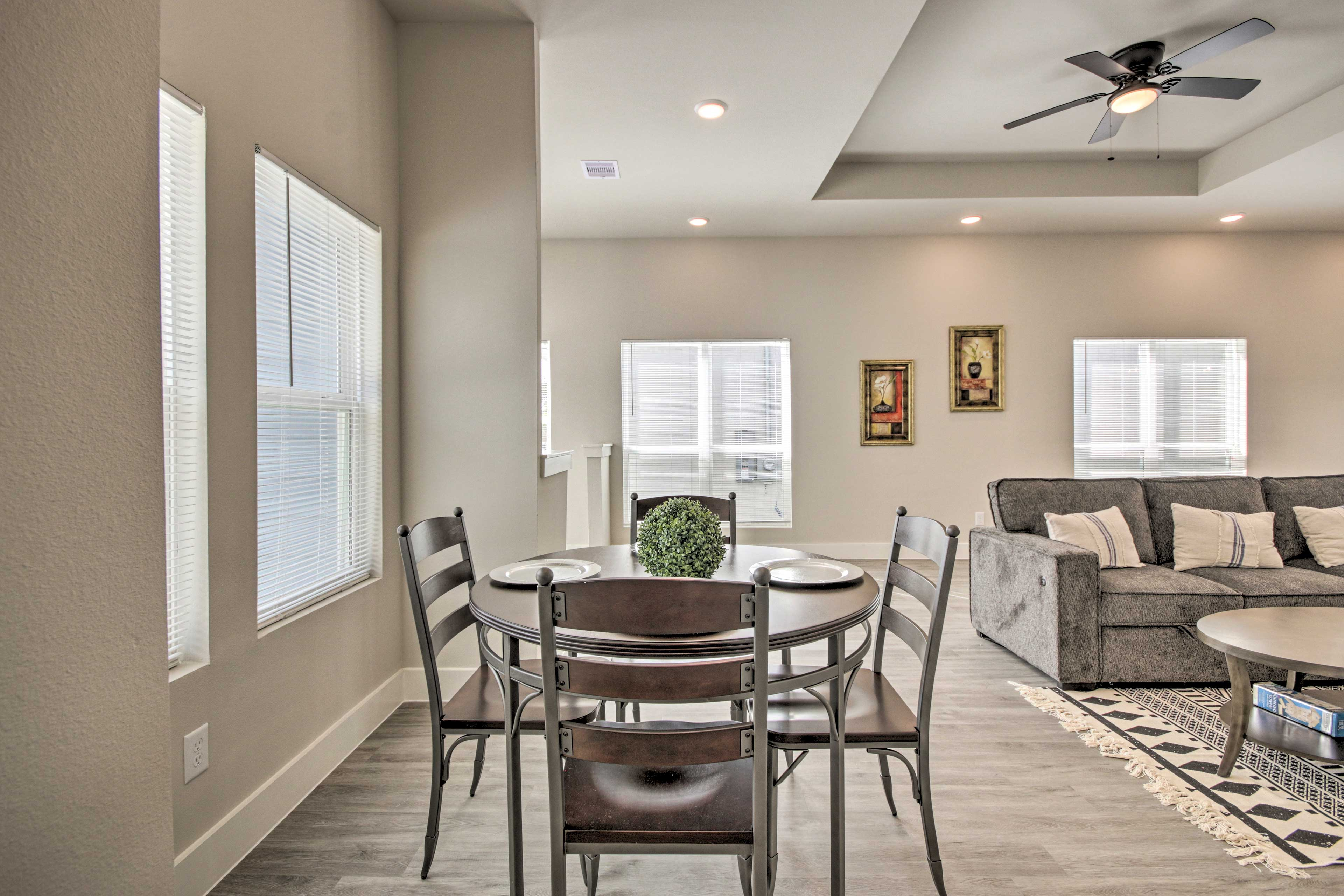 Living Room | 4-Person Dining Table