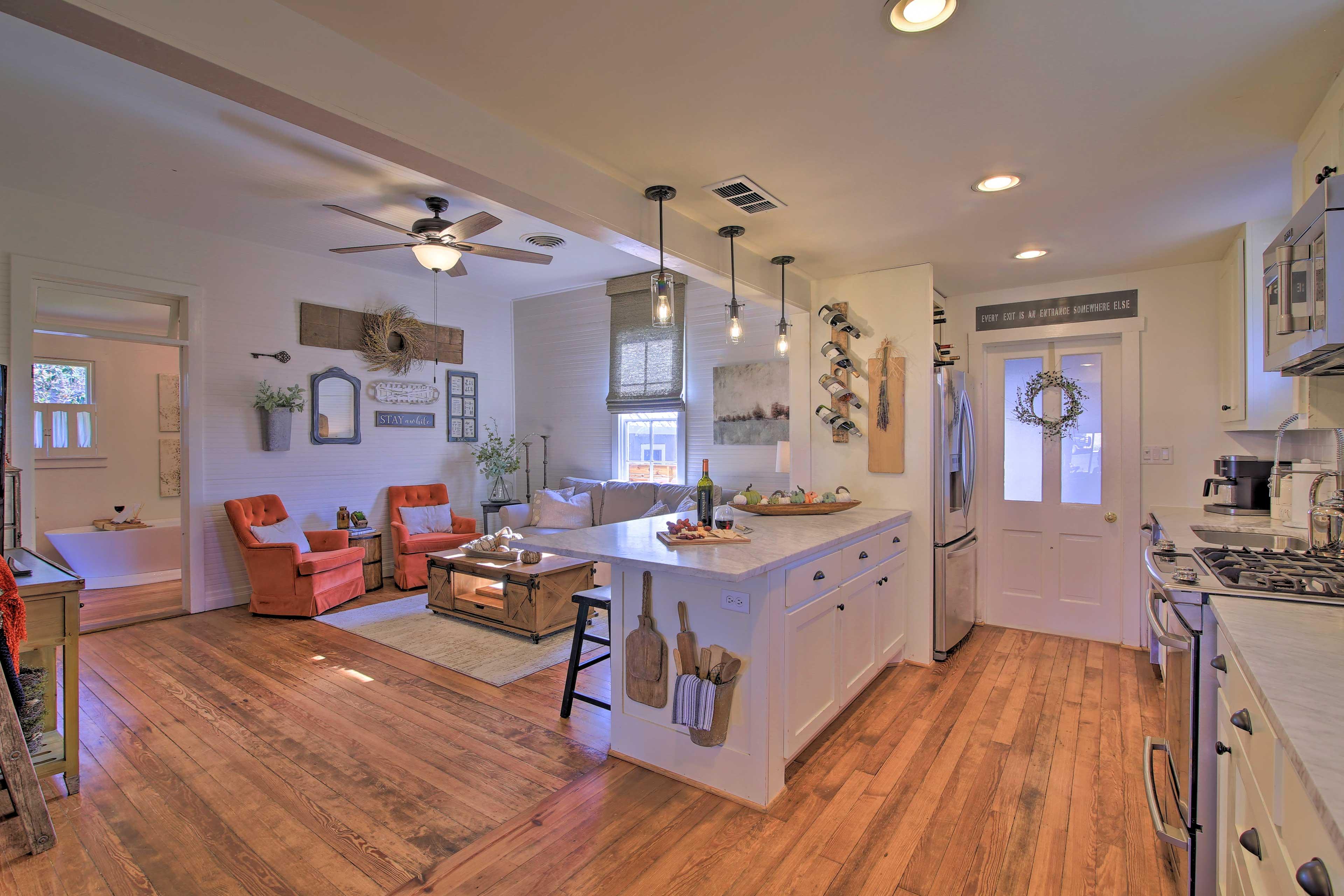 Kitchen | Dishware/Flatware | Keurig/Drip Coffee Maker