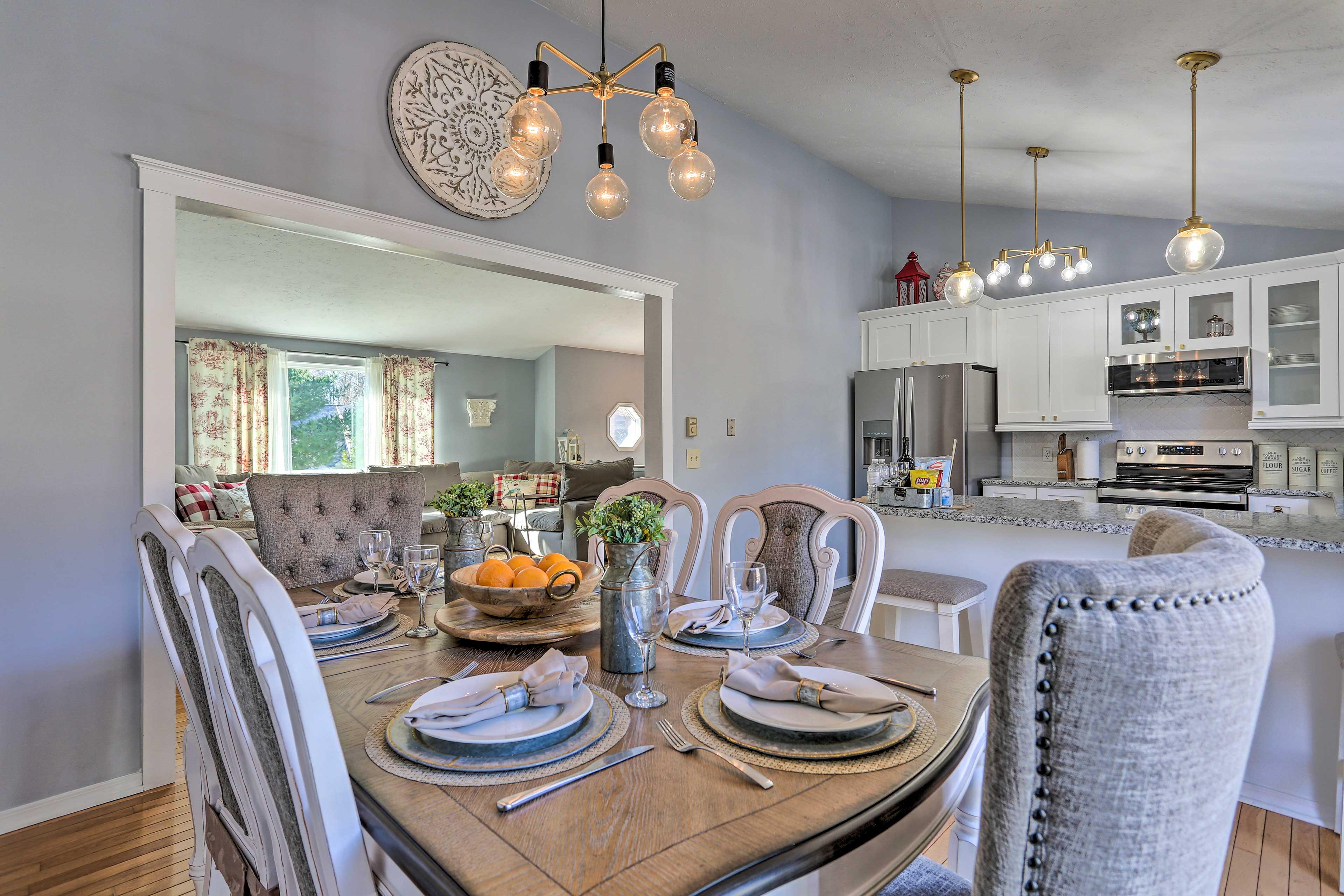 Tobyhanna Vacation Rental | 2 Story Home | 3BR | 3BA | 2,028 Sq Ft