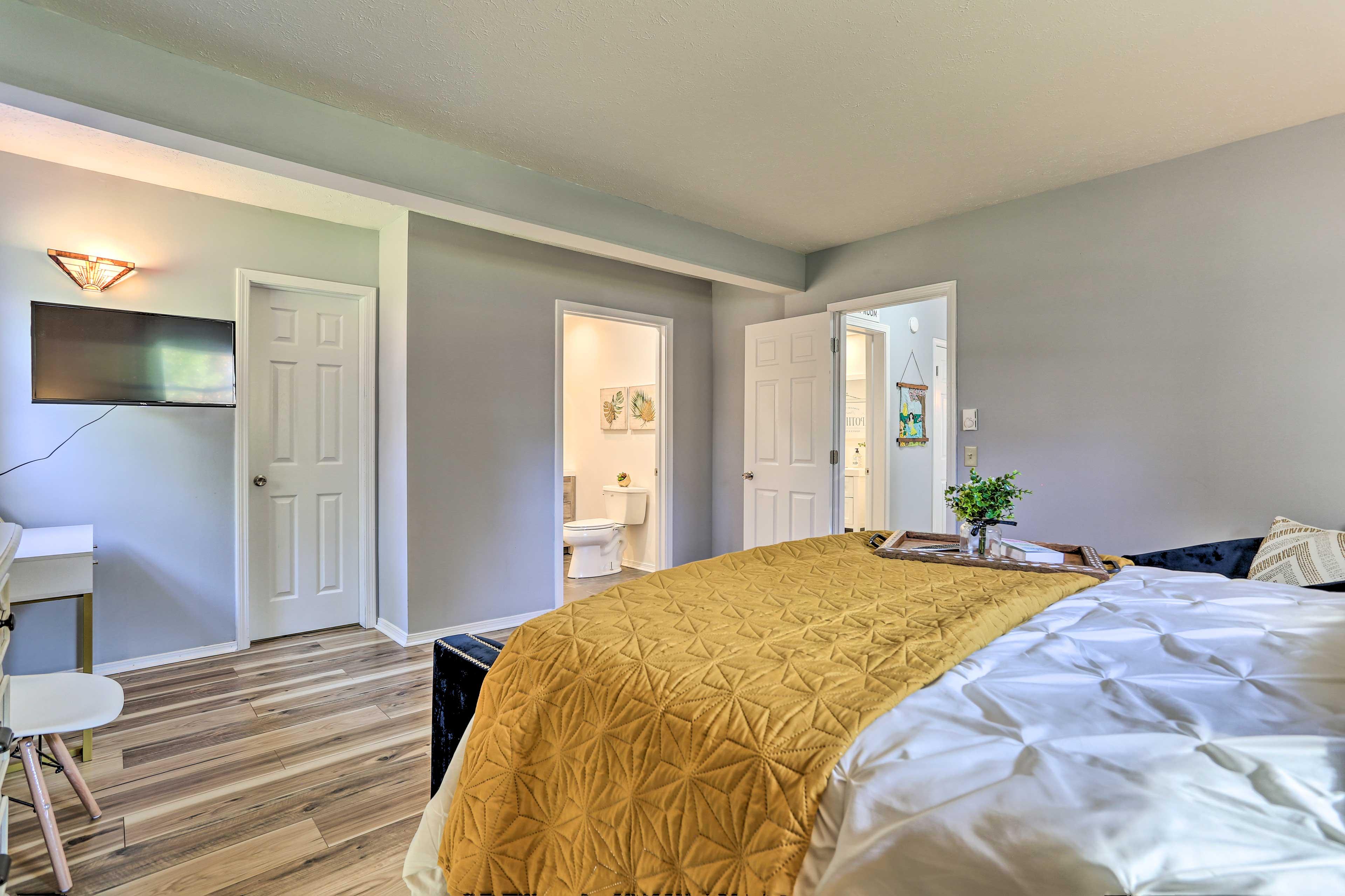 Primary Bedroom | Linens Provided | Smart TV