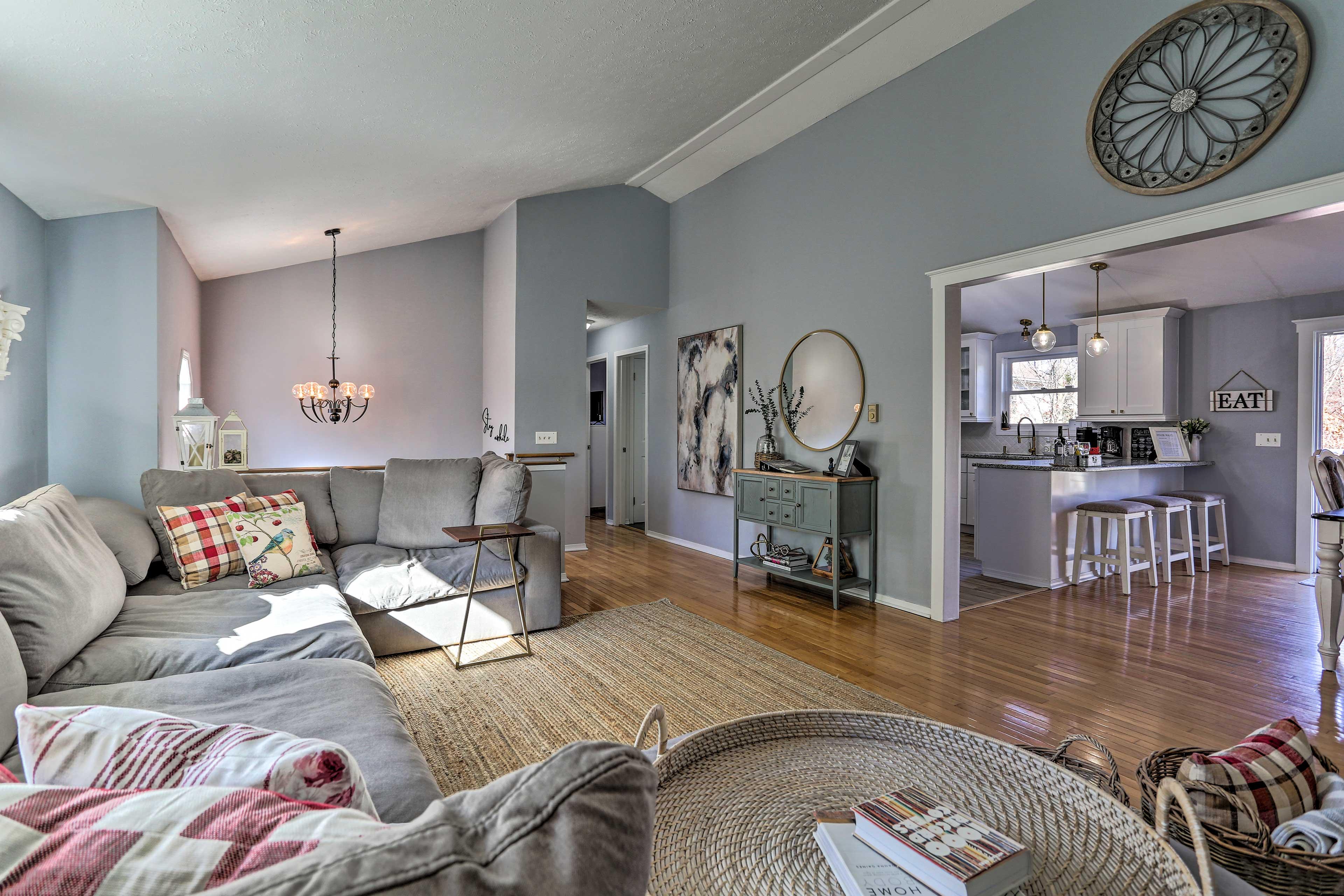 Living Room | 2nd Floor