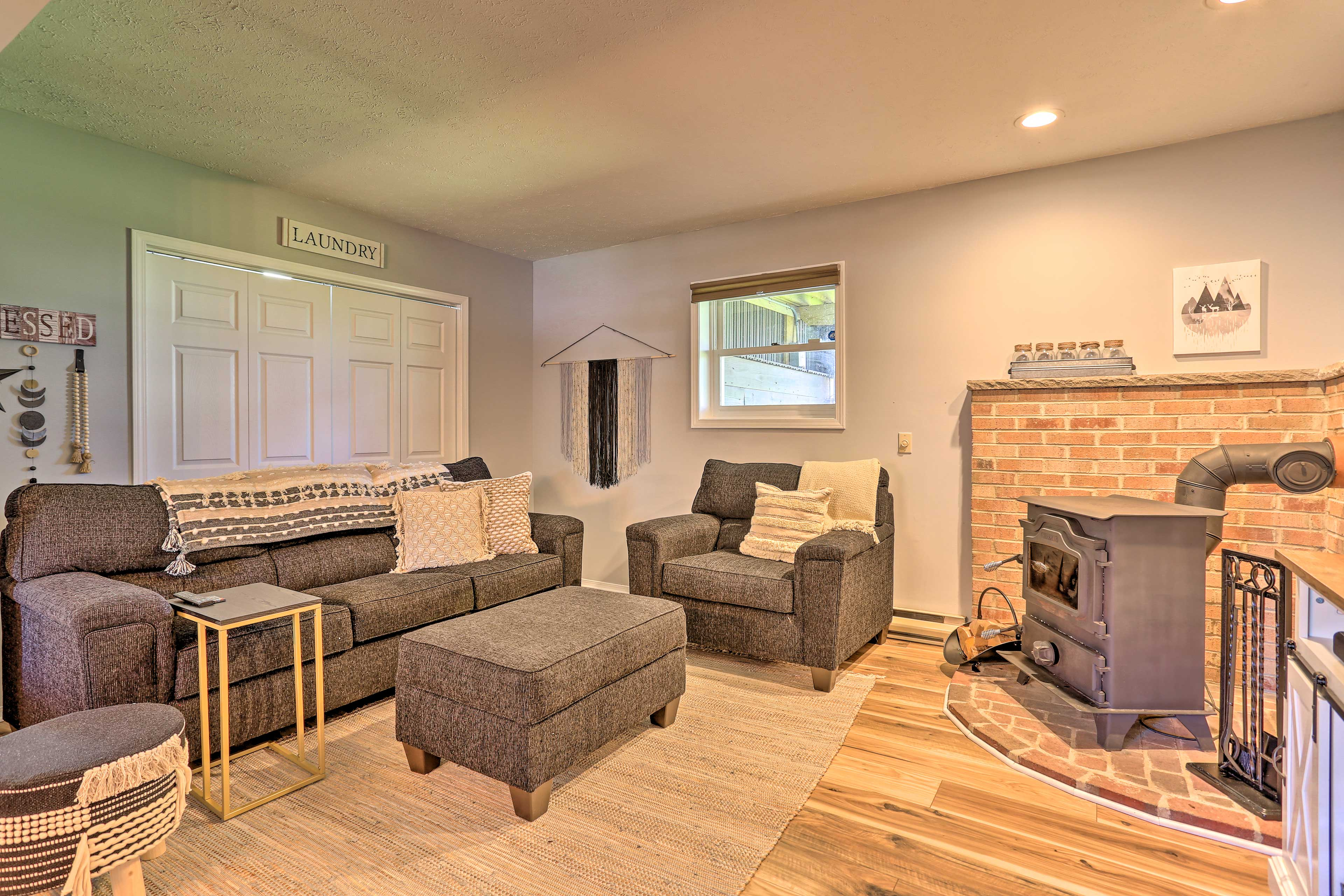 Game Room | Additional Accommodations | Sleeper Sofa | In-Unit Washer/Dryer