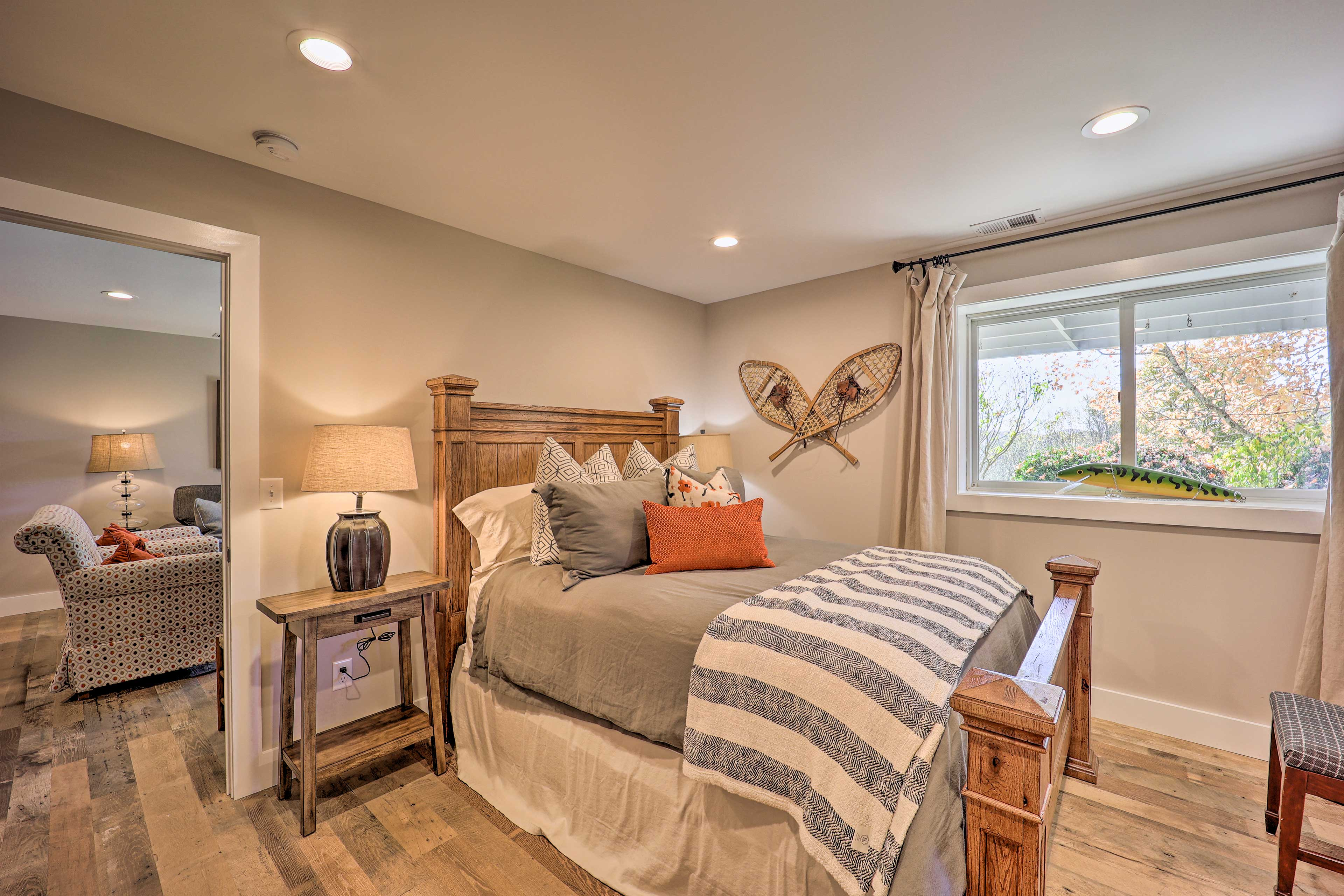 Bedroom 3 | Queen Bed | Lower Level | Steps Required