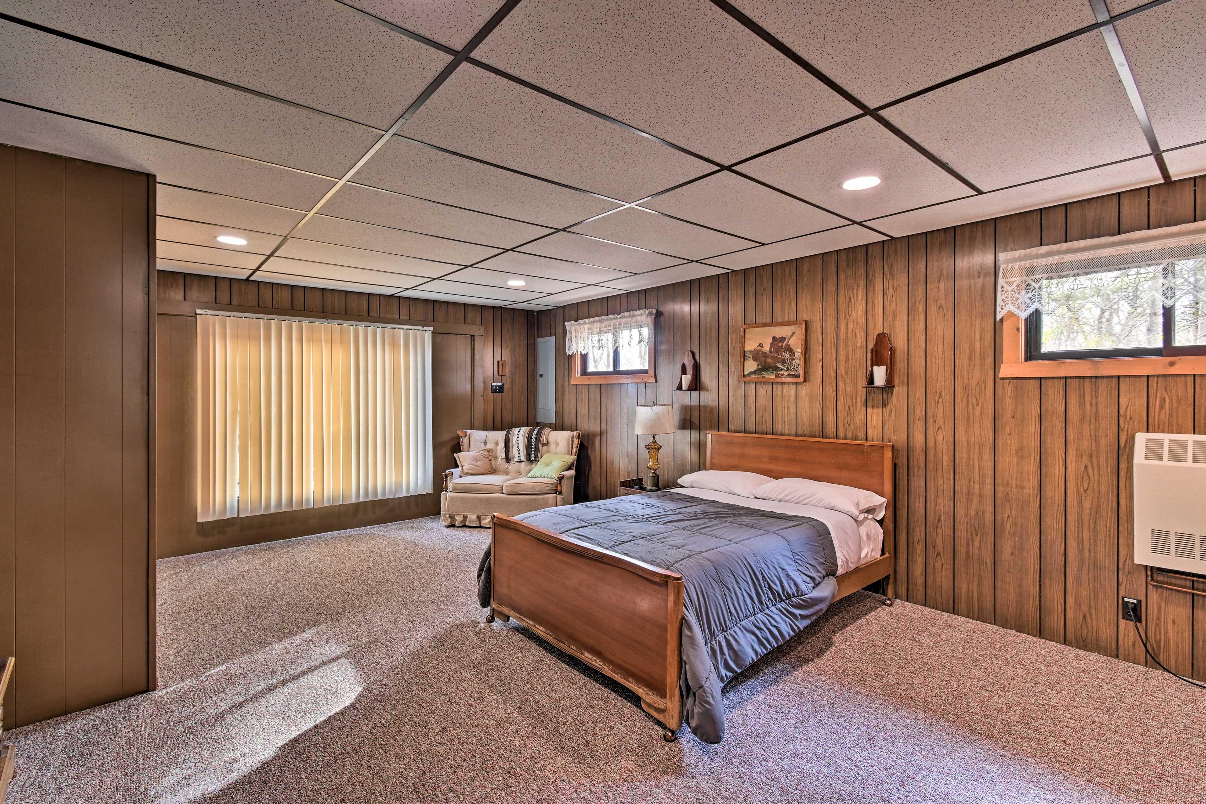 Bedroom 3 | Full Bed | Ground Level